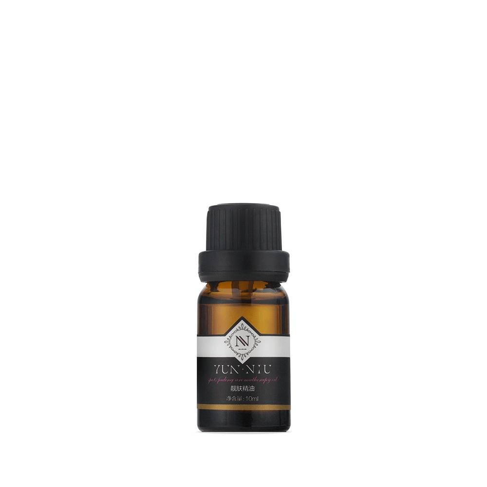 Смесь масел для ухода за кожей Yun-Niu (Spot Fading Essential Oil), 10 мл72523WDВосстанавливающее и защищающее средство для кожи (масло). 10 млНазначениеВ Смеси масел для уходом за кожей Yun-Niu собрано все самое необходимое для здоровья и красоты кожи. Давайте отметим невероятное количество витаминов и микроэлементов: витамины В1, В2, В3, В6, В9, В12, А, С, Е, а также, калий, натрий, железо, кальций, Омега 3, Омега 6 и Омега 9. Действие? Обладает противовосполительным действием? Отлично подходит для проблемной кожи, боертся с угревой сыпью и ее последствиями? Борется с стриями и целлюлитом? Восстанавливает, питает, омолаживает кожуРезультат? Обладает противовосполительным действием? Отлично подходит для проблемной кожи, боертся с угревой сыпью и ее последствиями? Борется с стриями и целлюлитом? Восстанавливает, питает, омолаживает кожу