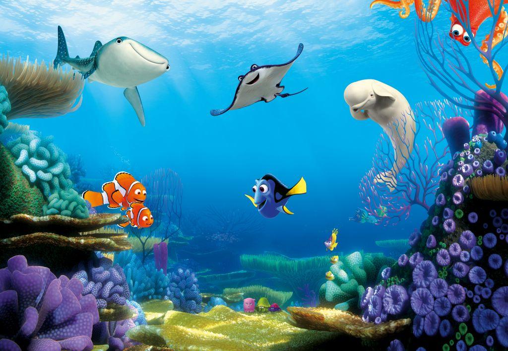 Фотообои Komar В поисках Дори. Подводный мир, 3,68 х 2,54 м8-497Бумажные фотообои известного бренда Komar с анималистическим дизайном В поисках Дори. Подводный мир позволят создать неповторимый облик помещения, в котором они размещены. Фотообои наносятся на стены тем же способом, что и обычные обои. Благодаря превосходной печати и высококачественной основе такие обои будут радовать вас долгое время. Фотообои снова вошли в нашу жизнь, став модным направлением декорирования интерьера. Выбрав правильную фактуру и сюжет изображения можно добиться невероятного эффекта живого присутствия. Ширина рулона: 3,68 м. Высота полотна: 2,54 м. Клей в комплекте.