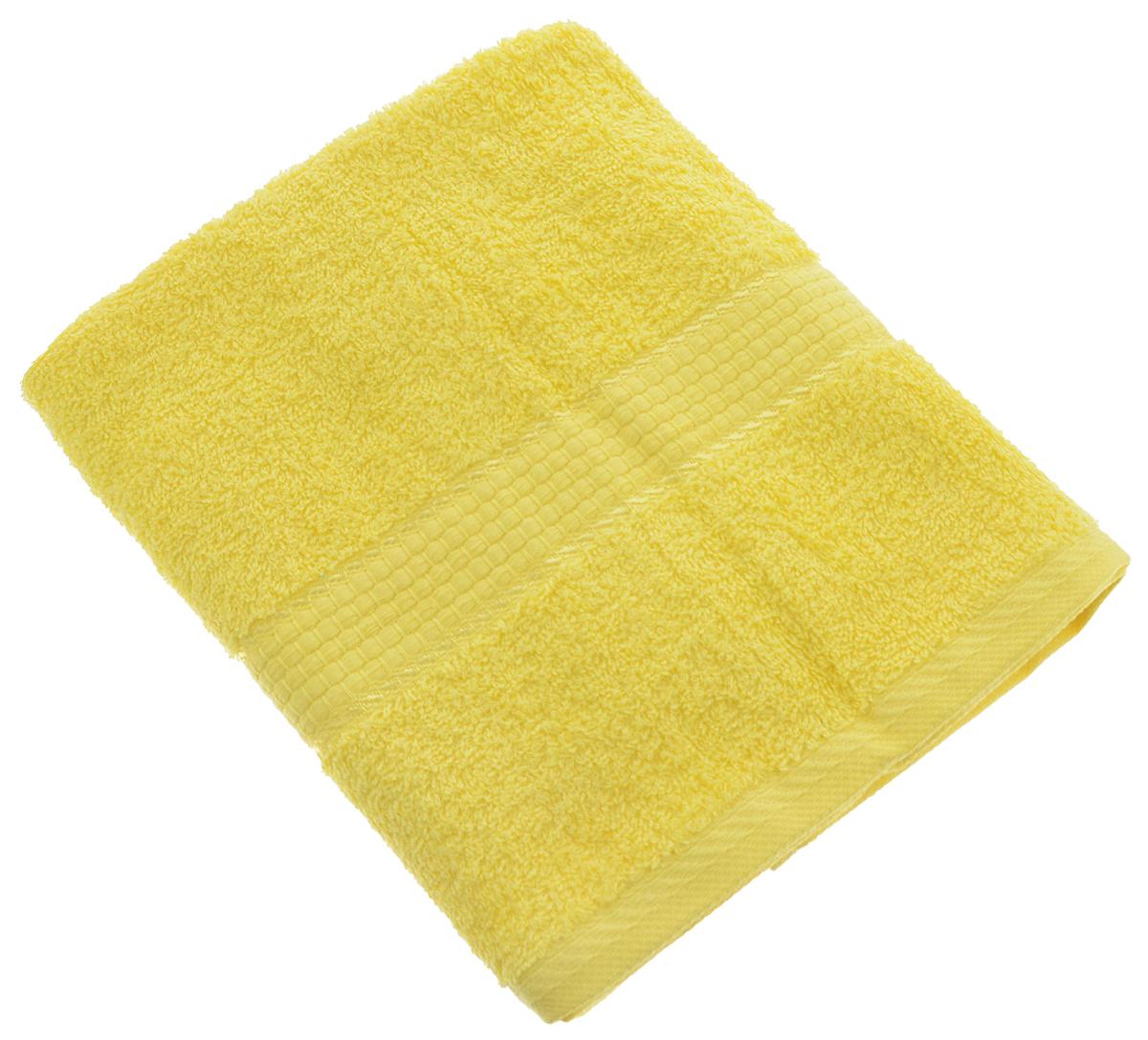 Полотенце Aisha Home Textile, цвет: желтый, 50 х 90 см68/5/2Полотенце Aisha Home Textile выполнено из 100% хлопка. Изделие отлично впитывает влагу, быстро сохнет, сохраняет яркость цвета и не теряет форму даже после многократных стирок. Такое полотенце очень практично и неприхотливо в уходе. Оно создаст прекрасное настроение и украсит интерьер в ванной комнате. Полотенце упаковано в красивую коробку и может послужит отличной идеей подарка.