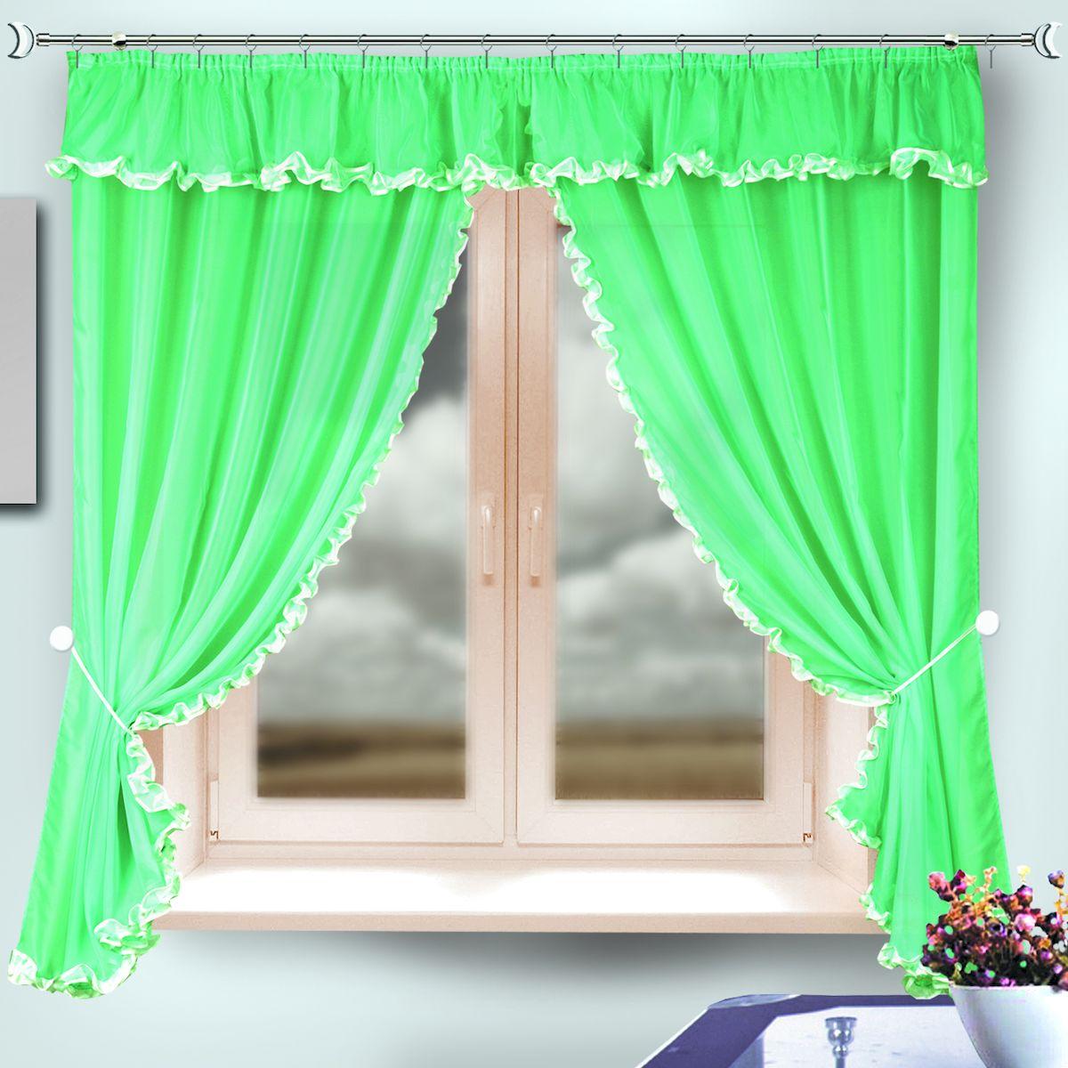 Комплект штор для кухни Zlata Korunka, на ленте, цвет: зеленый, высота 170 см. 3333133331Комплект штор для кухни Zlata Korunka, выполненный из полиэстера, великолепно украсит любое окно. Комплект состоит из 2 штор и ламбрекена. Классический крой и приятная цветовая гамма привлекут к себе внимание и органично впишутся в интерьер помещения. Этот комплект будет долгое время радовать вас и вашу семью! Комплект крепится на карниз при помощи ленты, которая поможет красиво и равномерно задрапировать верх. В комплект входит: Штора: 2 шт. Размер (Ш х В): 140 х 170 см. Ламбрекен: 1 шт. Размер (Ш х В): 290 х 30 см.