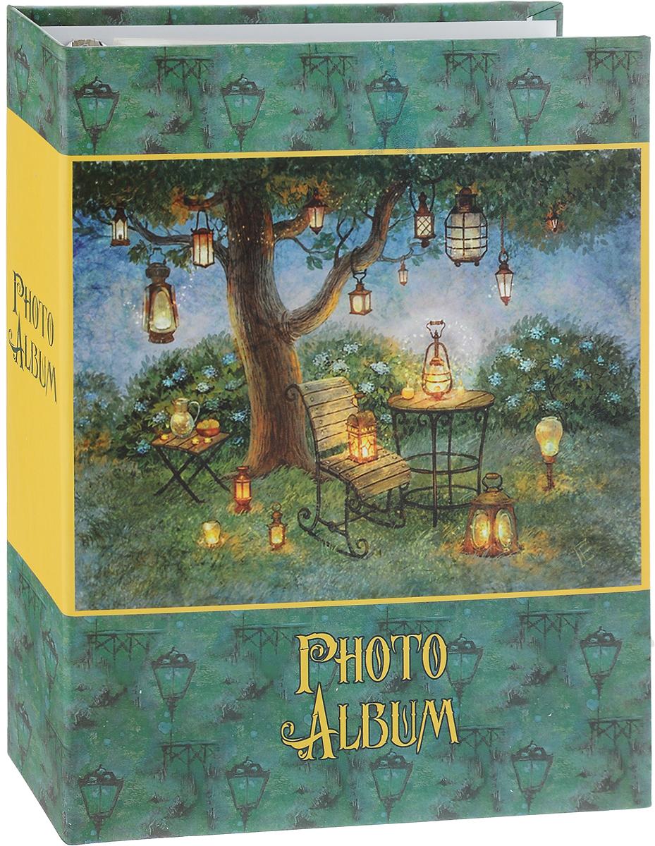 Фотоальбом Magic Home Волшебные фонари, цвет: зеленый, желтый, на 100 фотографий, 16 х 21 см41287Фотоальбом Magic Home Волшебные фонари поможет красиво оформить ваши самые интересные фотографии. Обложка, выполненная из толстого картона, оформлена красивым изображением. Внутри содержится блок из 50 белых листов с креплением на кольцах. Альбом рассчитан на 100 фотографий формата 16 х 21 см. Нам всегда так приятно вспоминать о самых счастливых моментах жизни, запечатленных на фотографиях. Поэтому фотоальбом является универсальным подарком к любому празднику. Количество листов: 50 шт. Размер фотоальбома: 23,5 х 28,5 см.