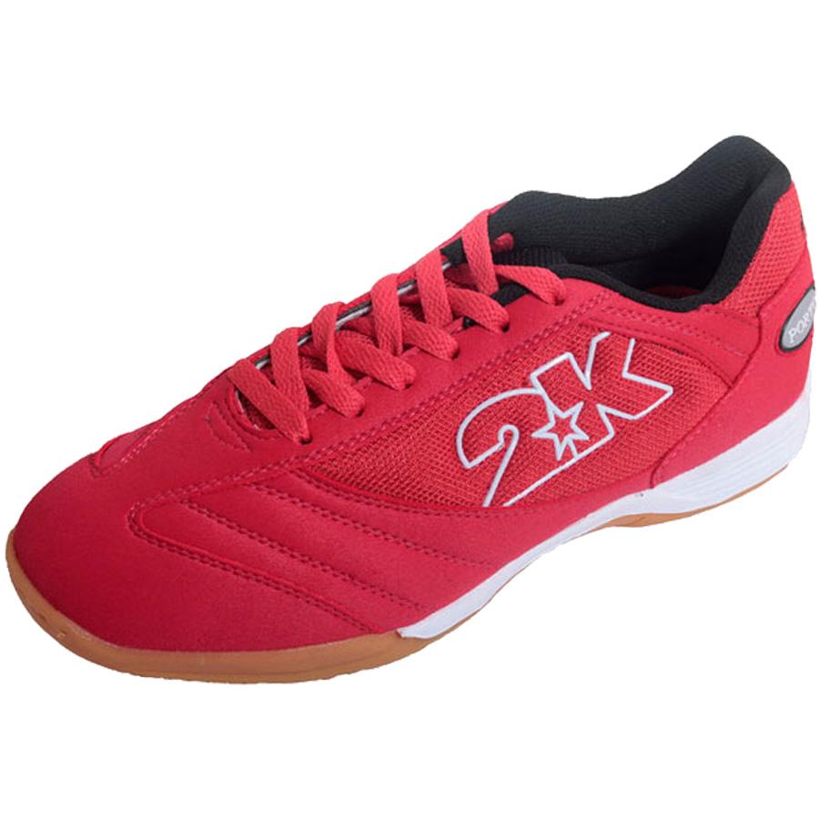 Бутсы для футзала 2K Sport Porto, цвет: красный, белый. Размер 41125414-redКлассические футзальные бутсы 2K Sport Porto идеально подойдут как для регулярных соревнований, так и для обычных тренировок. Мягкий и комфортный верх изготовлен из искусственной замши и текстиля. Эргономичная конструкция, обеспечивающая идеальную посадку, точность движений и оптимальный контроль мяча. Стелька из экопрена и синтетическая подкладка обеспечивают удобство стопы. Накладки на стельку увеличивают прочность и устойчивость подошвы.