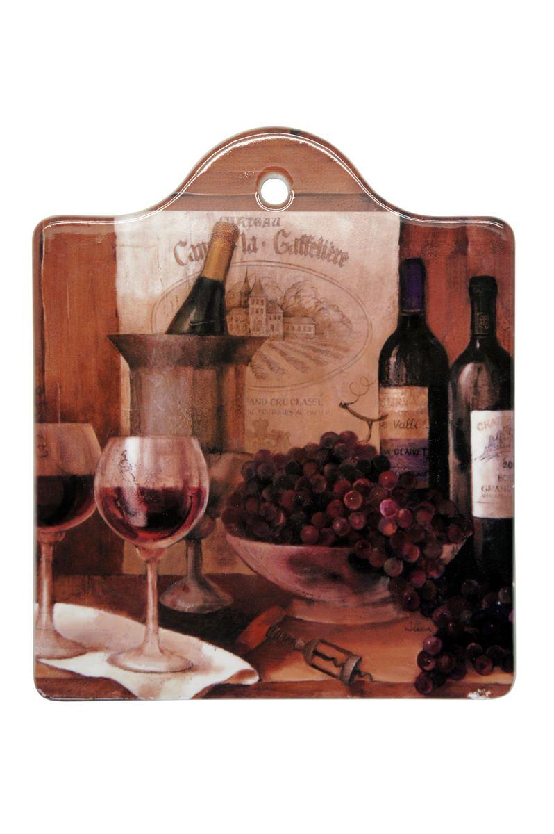 Подставка под горячее GiftnHome Винтажные вина, с подвесом, 16 х 19 смW-16 WineПодставка под горячее GiftnHome Винтажные вина изготовлена из керамики с красочным рисунком. Основание выполнено из натуральной пробки, что позволяет предохранить мебель от царапин и повреждений. Такая подставка идеально подойдет для сервировки стола. Она защитит поверхность стола от горячей посуды, следов пищи, влаги. Подставка имеет специальное отверстие для крепления на стену. Благодаря ярким авторским дизайнам от Креативной студии AntonioK такая подставка станет прекрасным интерьерным аксессуаром.