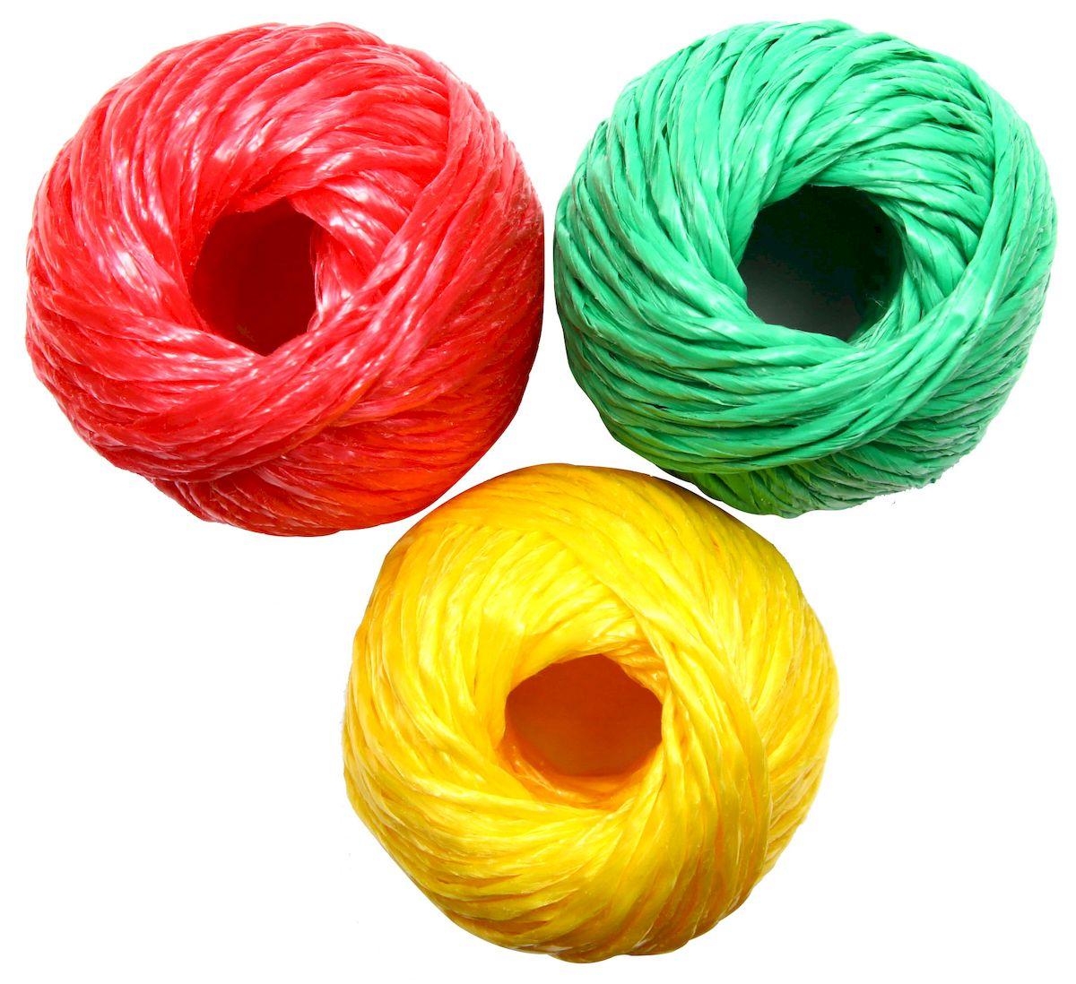 Шпагат Proffi Светофор, 1100 текс 3х30 м, цвет: красный, зеленый, желтый09840-20.000.00Набор из трех цветов: красный, желтый и зеленый. Незаменимый помощник в быту в качестве обвязочного материала и для подвязывания различных с/х культур. Шпагат полипропиленовыйобладает большой стойкостью к многоразовым изгибам, устойчивостью к истиранию, на него не влияют органические растворители, невосприимчив к воздействию горячей воды и щелочей, отличный диэлектрик, обладает хорошими теплоизоляционными свойствами. Шпагат полипропиленовый устойчив к воздействию перепадов температур, не подвержен гниению. Шпагат из полипропилена является экологически чистым видом упаковки.