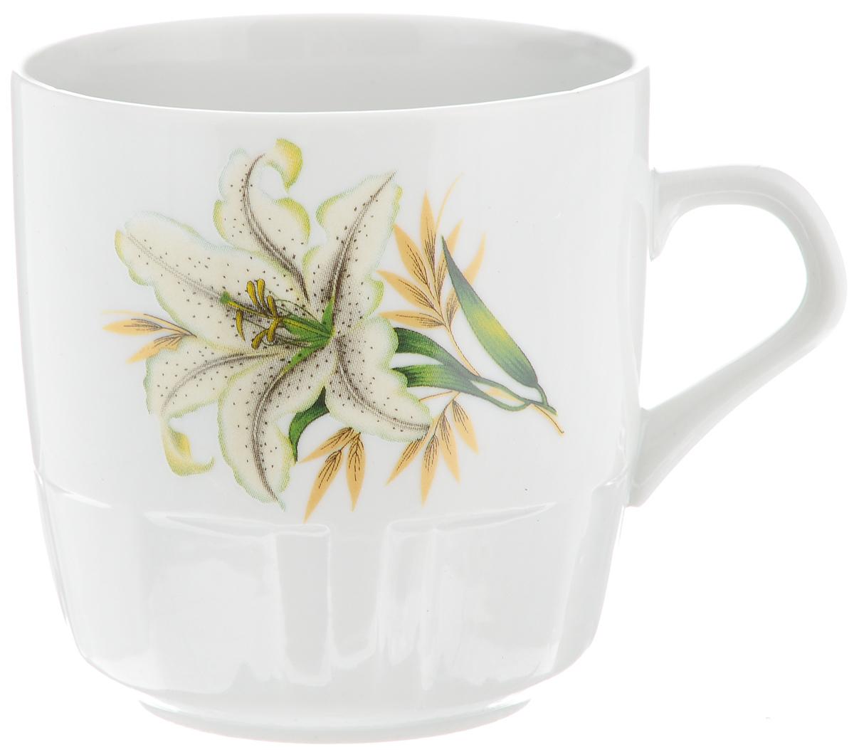 Кружка Фарфор Вербилок Белая лилия, 250 мл5811980Красивая кружка Фарфор Вербилок Белая лилия способна скрасить любое чаепитие. Изделие выполнено из высококачественного фарфора. Посуда из такого материала позволяет сохранить истинный вкус напитка, а также помогает ему дольше оставаться теплым. Объем кружки: 250 мл. Диаметр по верхнему краю: 8 см. Диаметр основания: 5,2 см. Высота кружки: 8,5 см.