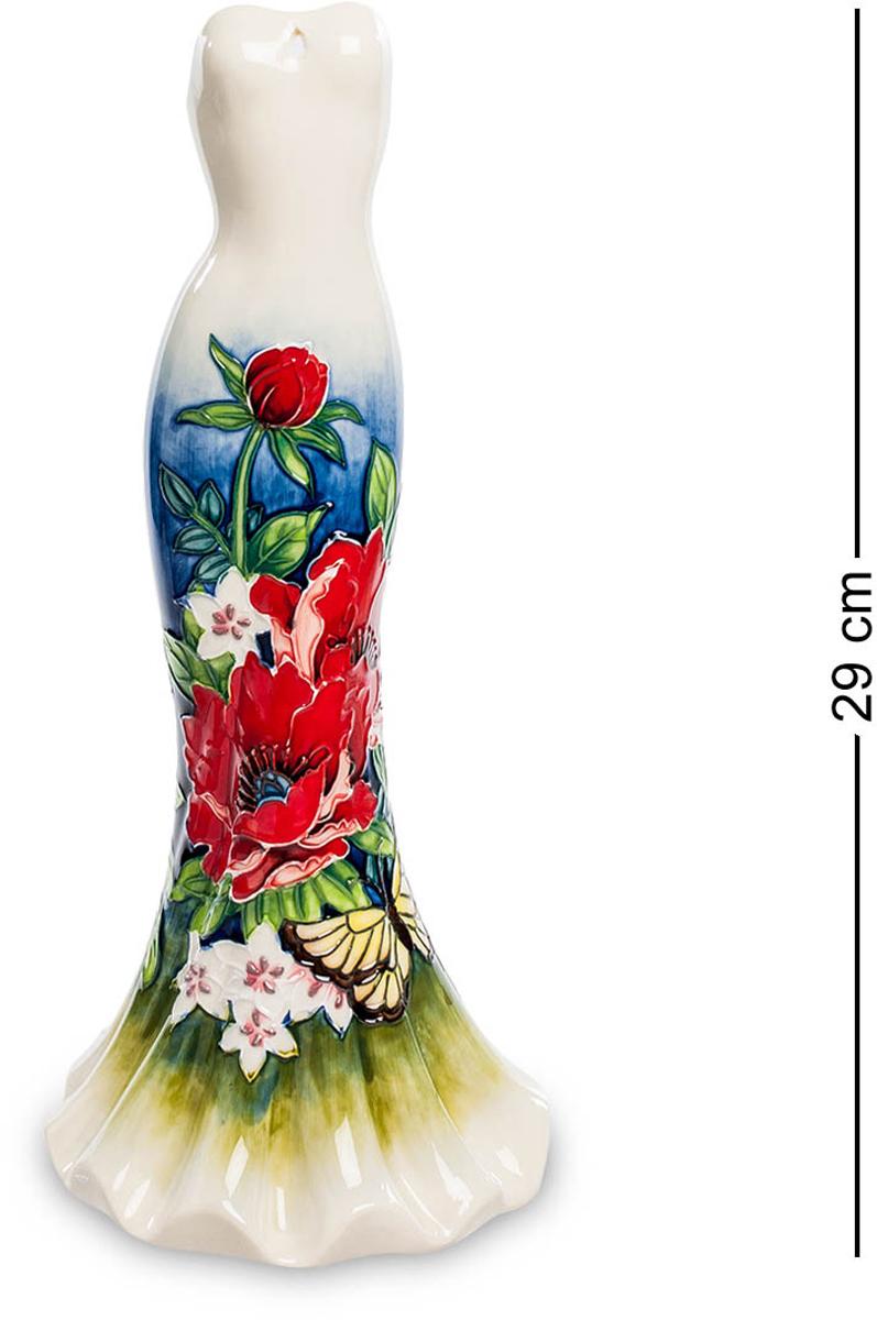 Ваза Pavone Платье. JP-852/10JP-852/10Ваза высотой 29 см. Ваза-Платье - от лучших гончарных кутюрье! Это одиноко стоящее платье удивительно красиво. Оно в разных частях окрашено по-разному: от щиколоток до бедер его покрывают яркие красивые узоры, составленные из листьев, разноцветных цветов и пестрых бабочек. Выше пояса платье имеет однотонную светлую окраску: ничто не должно затмевать красоту самой обладательницы этого платья. Обратите внимание: в платье сейчас никого нет, и оно может послужить вазочкой. Налейте в нее воду и поставьте букет живых цветов. Если вам удастся добиться их гармонии с цветами на платье, эффект будет потрясающим. Но эта ваза и без цветов привлечет к себе пристальное внимание и украсит собой всю комнату.