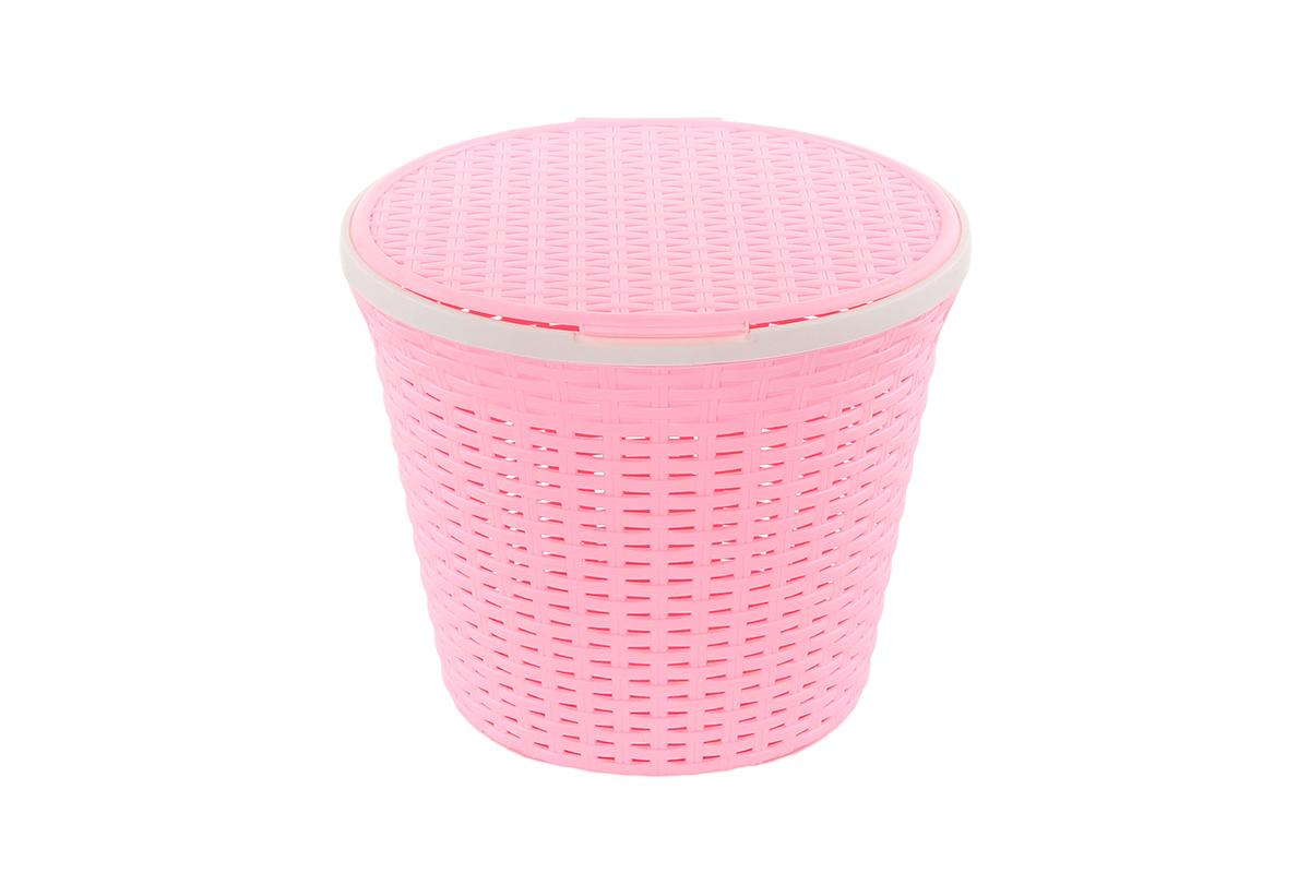 Корзина для хранения Violet Ротанг, с крышкой, цвет: розовый, 33 х 33 х 27 смUP210DFКруглая корзина Violet Ротанг с крышкой, изготовленная из полипропилена, имитирующая плетение ротанг, предназначена для хранения мелочей в ванной, на кухне, даче или гараже. Позволяет хранить мелкие вещи, исключая возможность их потери. Это легкая корзина со сплошным дном, жесткой кромкой, с небольшими отверстиями на стенках.