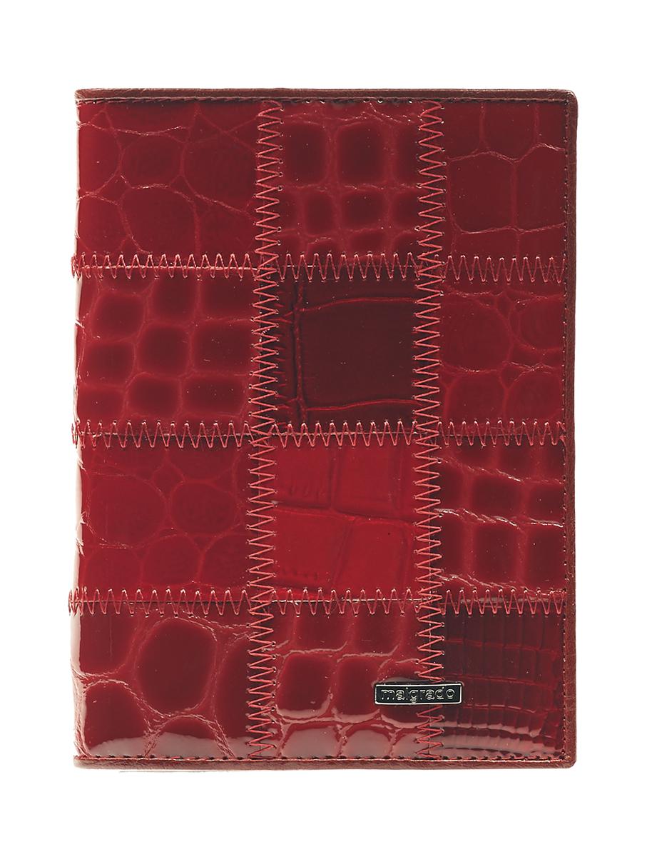 Обложка для паспорта Malgrado, цвет: красный. 54019-1A-444A54019-1A-444AСтильная обложка для паспорта Malgrado изготовлена из натуральной кожи красного цвета с декоративным тиснением под разные структуры и оформлена декоративными стежками. Внутри содержит прозрачное пластиковое окно, съемный прозрачный вкладыш для полного комплекта автодокументов, пять отделений для кредитных и дисконтных карт. Обложка упакована в подарочную картонную коробку с логотипом фирмы. Такая обложка станет замечательным подарком человеку, ценящему качественные и практичные вещи. Характеристики: Материал: натуральная кожа, пластик. Размер обложки: 13,5 см х 9,5 см х 1,5 см. Цвет: красный. Размер упаковки: 15,5 см х 11,5 см х 3,5 см. Артикул: 54019-1A-444A.