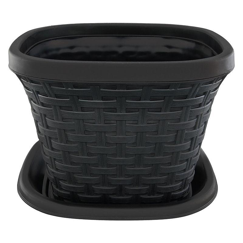 Кашпо квадратное Violet Ротанг, с поддоном, цвет: черный, 2,6 л33261/7Квадратное кашпо, выполненное из пластика, прекрасно подойдет для выращивания трав и цветов. Имитирующее плетение из ротанга кашпо имеет поддон. Объём кашпо: 2,6 л.