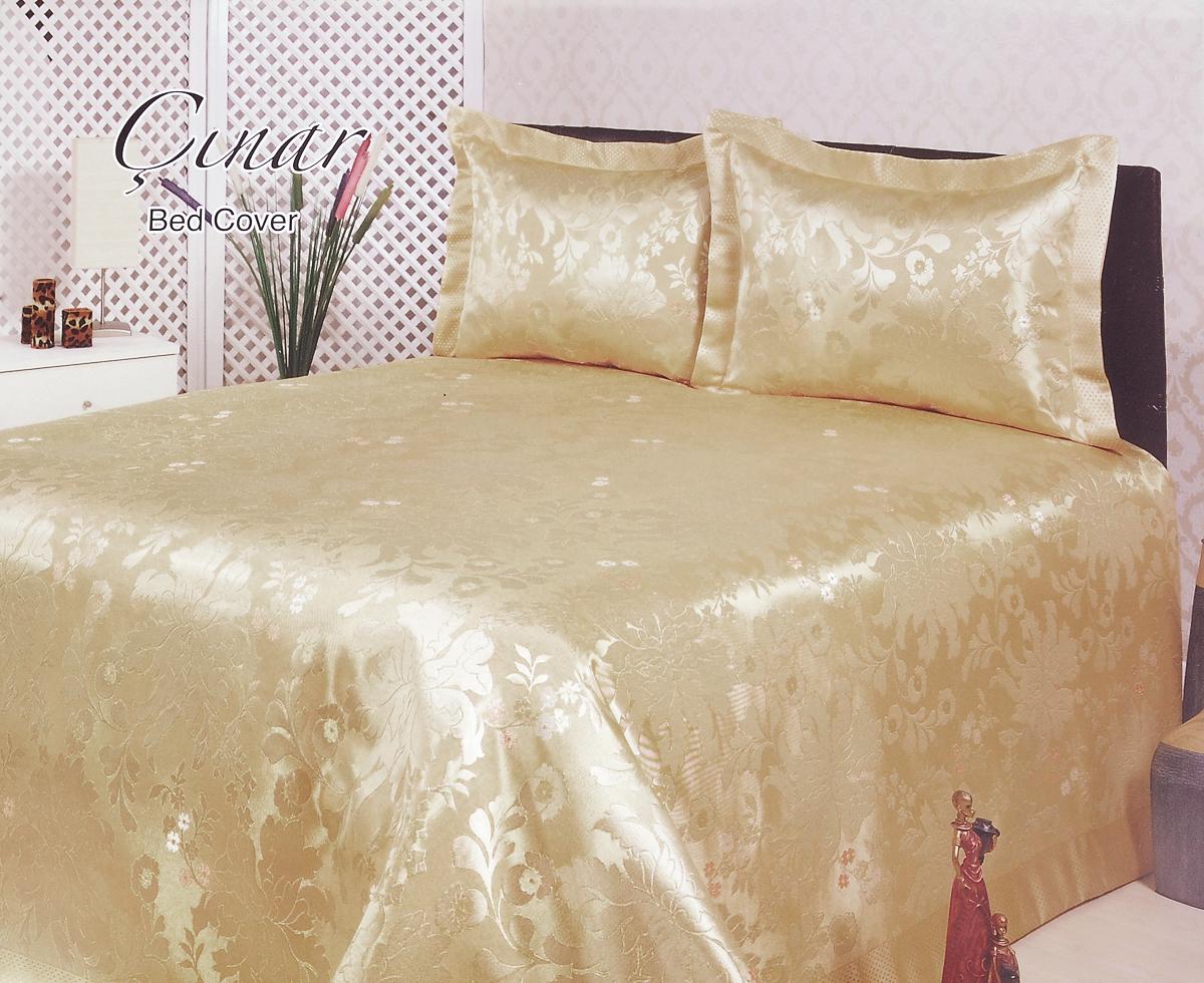 Комплект для спальни Nazsu Cinar: покрывало 240 х 260 см, 2 наволочки 50 х 70 см, цвет: светло-бежевый531-401Изысканный комплект для спальни Nazsu Cinar состоит из покрывала и двух наволочек. Изделия выполнены из высококачественного полиэстера (50%) и хлопка (50%), легкие, прочные и износостойкие. Ткань блестящая, что придает ей больше роскоши. Комплект Nazsu - это отличный способ придать спальне уют и комфорт, а также позволит по-королевски украсить интерьер. Размер покрывала: 240 х 260 см.Размер наволочки: 50 х 70 см.