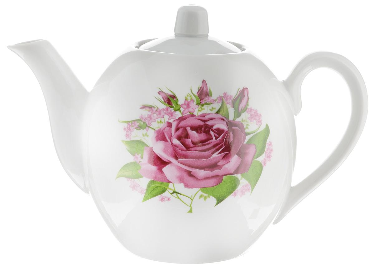 Чайник заварочный Фарфор Вербилок Розовые бутоны, 800 мл1641060Для того чтобы насладиться чайной церемонией, требуется не только знание ритуала и чай высшего сорта. Необходим прекрасный заварочный чайник, который может быть как центральной фигурой фарфорового сервиза, так и самостоятельным, отдельным предметом. От его формы и качества фарфора зависит аромат и вкус приготовленного напитка. Именно такие предметы формируют в доме атмосферу истинного уюта, тепла и гармонии. С заварочным чайником Фарфор Вербилок Розовые бутоны вы сможете ощутить более богатый, ароматный вкус чая или кофе. Изделие выполнено из высококачественного фарфора и украшено цветочным рисунком. Диаметр чайника по верхнему краю: 6 см. Диаметр основания чайника: 7,5 см. Высота чайника (без учета крышки): 11,5 см.