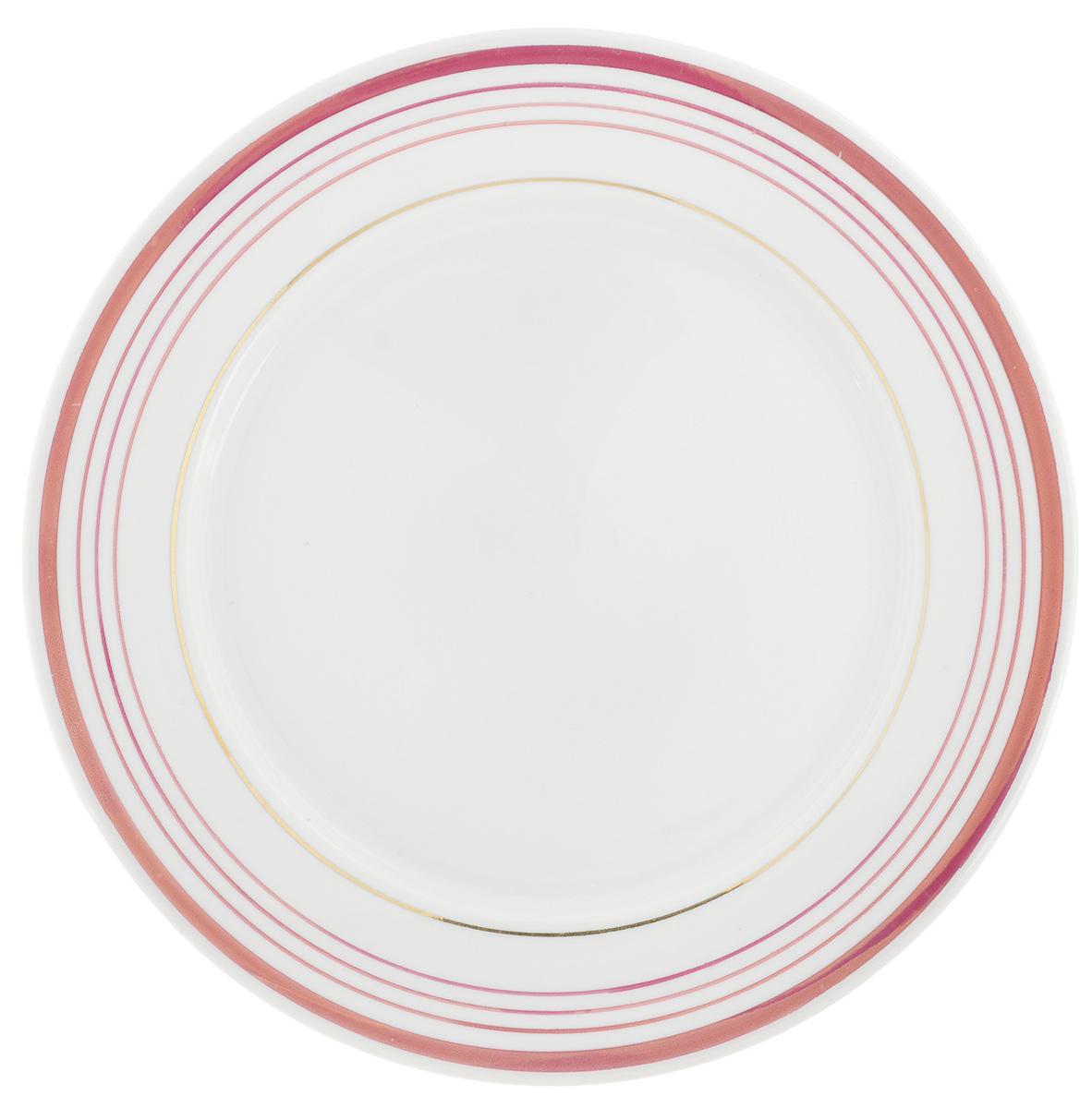 Тарелка Фарфор Вербилок, диаметр 24 см. 2507230025072300Тарелка Фарфор Вербилок, изготовленная из высококачественного фарфора, имеет изысканный внешний вид. Яркий дизайн придется по вкусу и ценителям классики, и тем, кто предпочитает современный стиль. Тарелка Фарфор Вербилок идеально подойдет для сервировки стола и станет отличным подарком к любому празднику. Диаметр тарелки: 24 см. Высота тарелки: 1,5 см.