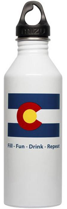 Бутылка для воды Mizu M8. Colorado Flag, цвет: белый, 800 мл891980.30Бутылка из пищевой нержавеющей стали для тех, кто заботится об окружающей среде и своем здоровье.Имеет специальную форму горлышка для аккуратного налива.Объем бутылки: 800 мл.Обхват бутылки: 24 см.Диаметр бутылки: 7 см.Высота бутылки(с крышкой): 26 см.