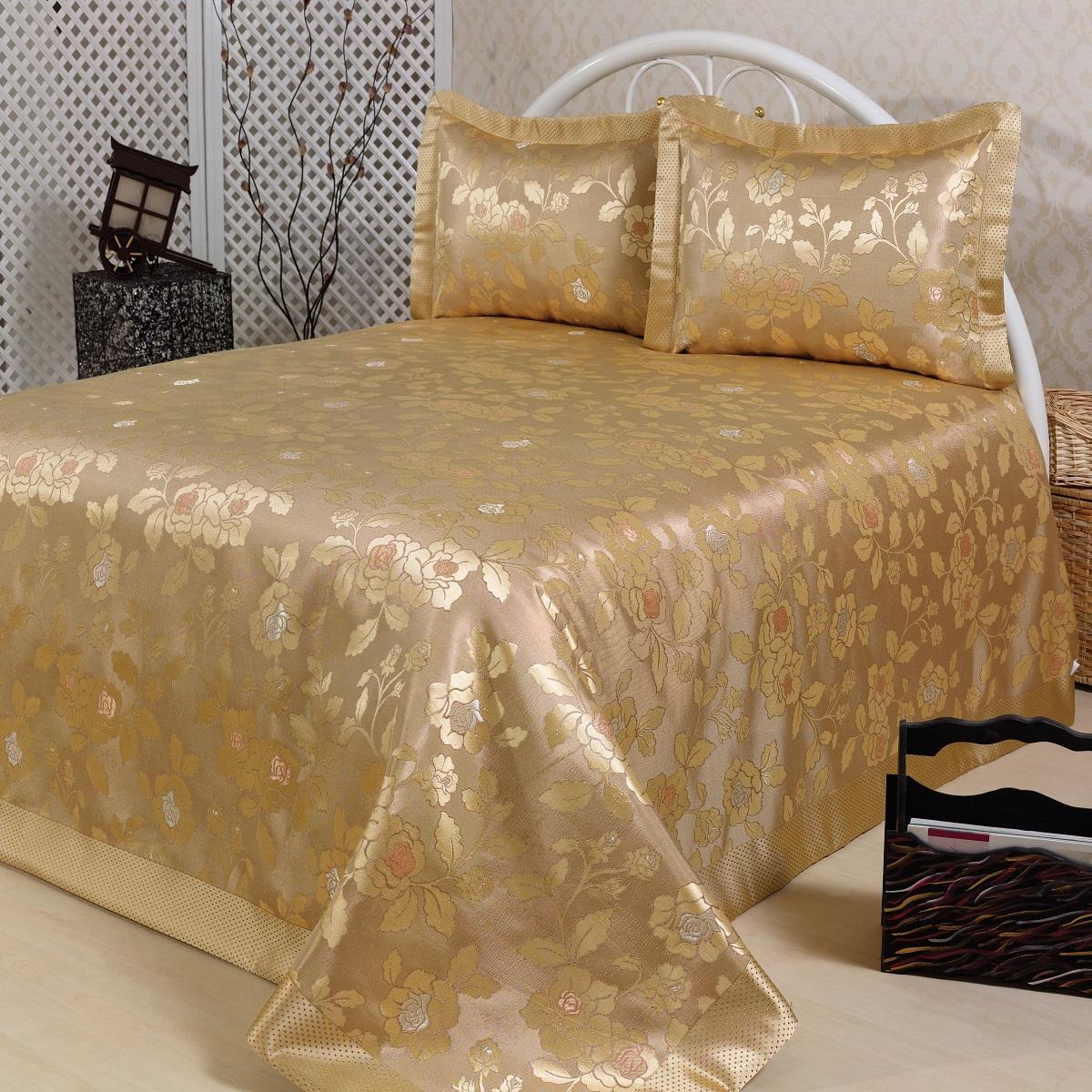 Комплект для спальни Karna Nazsu. Gul: покрывало 240 х 260 см, 2 наволочки 50 х 70 см, цвет: золотистый811/3/CHAR006Изысканный комплект Karna Nazsu. Gul прекрасно оформит интерьер спальни или гостиной. Комплект состоит из покрывала и двух наволочек. Изделия изготовлены из 50% хлопка и 50% полиэстера. Постельные комплекты Karna уникальны, так как они практичны и универсальны в использовании. Материал хорошо сохраняет окраску и форму. Изделия долговечны, надежны и легко стираются. Комплект Karna не только подарит тепло, но и гармонично впишется в интерьер вашего дома. Размер покрывала: 240 х 260 см. Размер наволочки: 50 х 70 см.