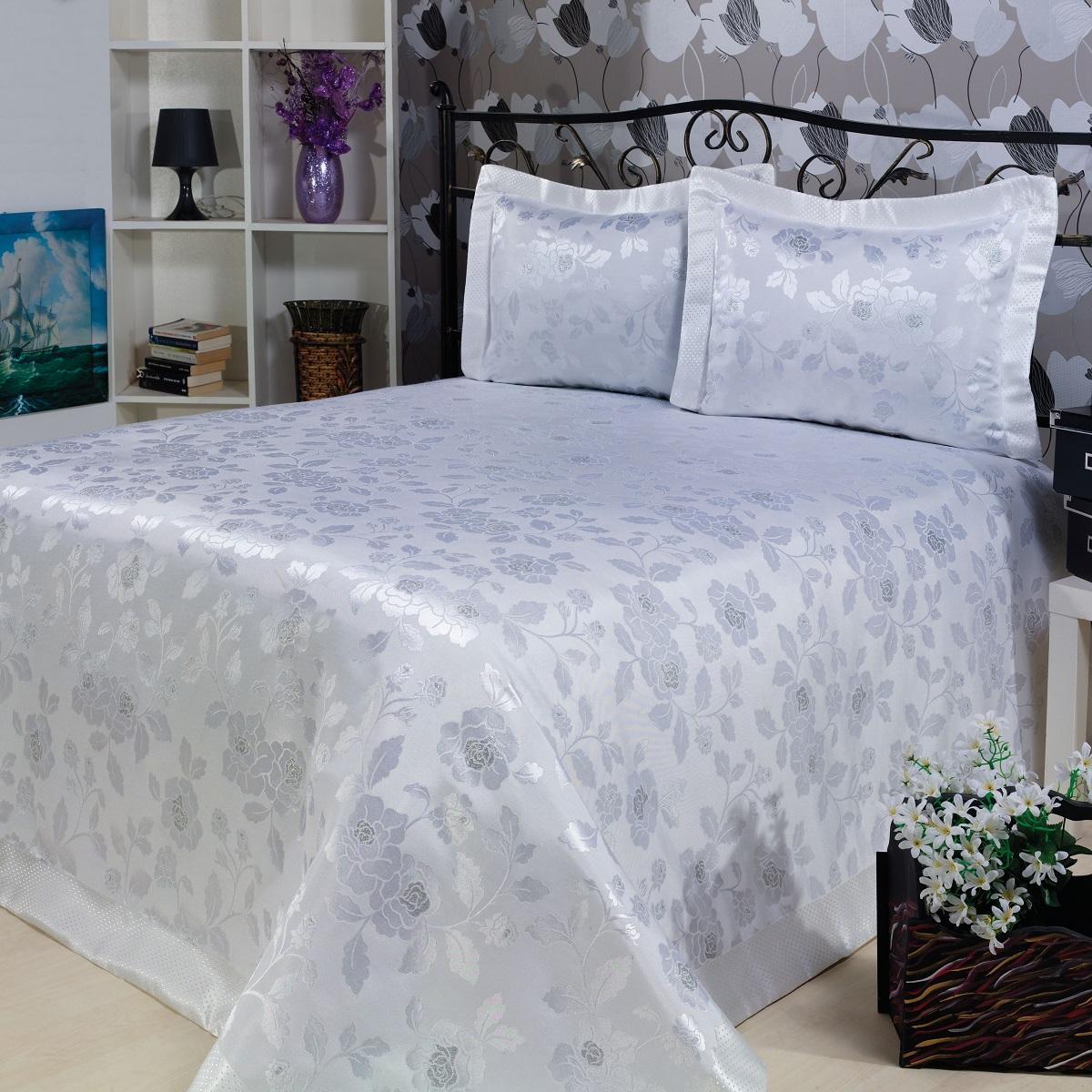 Комплект для спальни Karna Nazsu. Gul: покрывало 240 х 260 см, 2 наволочки 50 х 70 см, цвет: белый811/3/CHAR002Изысканный комплект Karna Nazsu. Gul прекрасно оформит интерьер спальни или гостиной. Комплект состоит из покрывала и двух наволочек. Изделия изготовлены из 50% хлопка и 50% полиэстера. Постельные комплекты Karna уникальны, так как они практичны и универсальны в использовании. Материал хорошо сохраняет окраску и форму. Изделия долговечны, надежны и легко стираются. Комплект Karna не только подарит тепло, но и гармонично впишется в интерьер вашего дома. Размер покрывала: 240 х 260 см. Размер наволочки: 50 х 70 см.