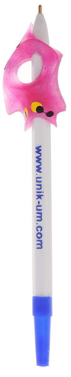 УникУм Ручка-самоучка Тренажер для правшей цвет розовыйАВ-4783_розовыйДля того чтобы легко, быстро и красиво писать, необходимо научиться правильно держать ручку или карандаш. Ручка-самоучка УникУм Тренажер для правшей позволяет в игровой форме, без усилий выработать правильную постановку пальцев при обучении ребенка рисованию и технике письма - ручку (карандаш) держать легко и удобно. Взрослому не нужно постоянно стоять над ребенком, объясняя как должен располагаться каждый пальчик, и какой должен быть наклон ручки. Достаточно помочь ребенку в первое время обучения. Ручка-самоучка УникУм - незаменимый помощник учителю начальной школы. Рекомендовано для обучения детей с 2,5 лет - на карандаше, с 5 лет - на ручке.