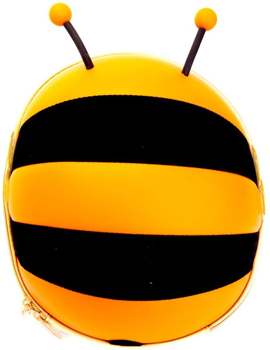 Bradex Ранец детский Пчелка цвет оранжевый72523WDСимпатичный твердый ранец Bradex Пчелка исполнен из аналога водоотталкивающей эко-кожи в виде пчелки с торчащими усиками и прозрачными крылышками. Внутри имеется сетка с резинкой, карман на липучке для мелочей. Широкие мягкие лямки. Комфортная двусторонняя молния.