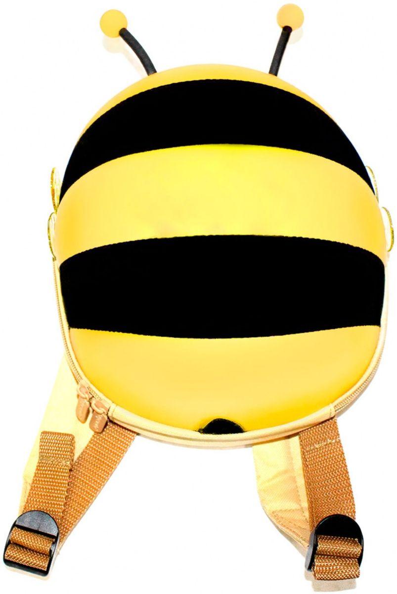 Bradex Ранец детский Пчелка цвет желтый72523WDСимпатичный твердый ранец Bradex Пчелка исполнен из аналога водоотталкивающей эко-кожи в виде пчелки с торчащими усиками и прозрачными крылышками. Внутри имеется сетка с резинкой, карман на липучке для мелочей. Широкие мягкие лямки. Комфортная двусторонняя молния.