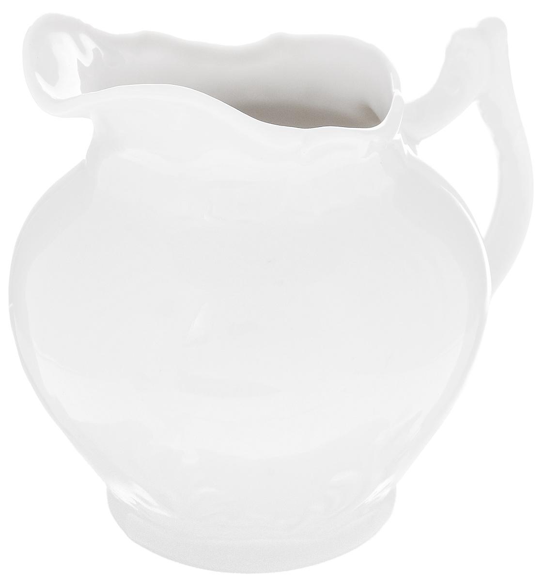 Сливочник Фарфор Вербилок, 350 мл3814000БСливочник Фарфор Вербилок выполнен из высококачественного фарфора. Это изделие предназначено для того, чтобы красиво и аппетитно подавать на стол сливки или молоко к чаю, кофе, супу или фруктам. Размер сливочника (по верхнему краю): 6 х 7,5 см. Высота сливочника: 11,5 см.