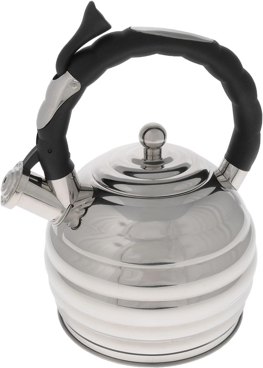 Чайник Hoffmann, со свистком, 3,3 лНМ 5535Оригинальный чайник Hoffmann выполнен из высококачественной нержавеющей стали, что делает его весьма гигиеничным и устойчивым к износу при длительном использовании. Носик чайника оснащен насадкой-свистком, что позволит вам контролировать процесс подогрева или кипячения воды. Фиксированная ручка, изготовленная из пластика, оснащена механизмом открывания носика. Эстетичный и функциональный чайник будет оригинально смотреться в любом интерьере. Подходит для всех типов плит, включая индукционные. Можно мыть в посудомоечной машине. Высота чайника (с учетом ручки и крышки): 30 см. Диаметр чайника (по верхнему краю): 10 см.