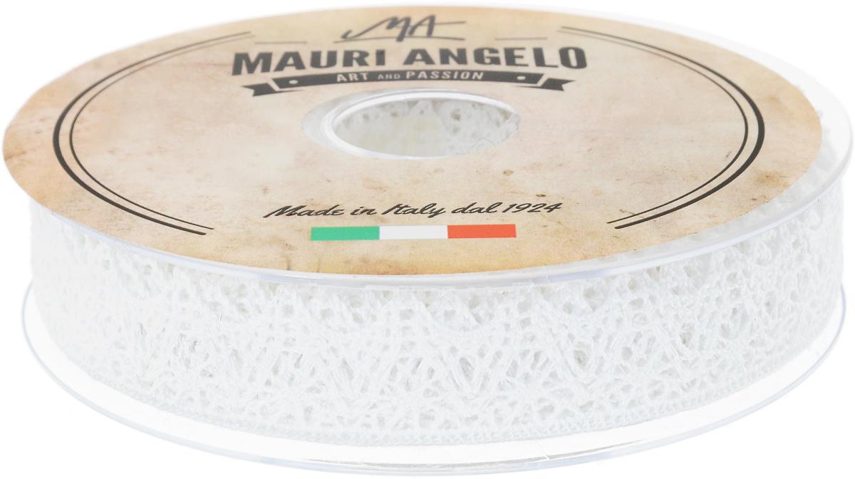 Лента кружевная Mauri Angelo, цвет: белый, 2,2 см х 20 мMR3137_белыйДекоративная кружевная лента Mauri Angelo - текстильное изделие без тканой основы, в котором ажурный орнамент и изображения образуются в результате переплетения нитей. Кружево применяется для отделки одежды, белья в виде окаймления или вставок, а также в оформлении интерьера, декоративных панно, скатертей, тюлей, покрывал. Главные особенности кружева - воздушность, тонкость, эластичность, узорность. Декоративная кружевная лента Mauri Angelo станет незаменимым элементом в создании рукотворного шедевра. Ширина: 2,2 см. Длина: 20 м.