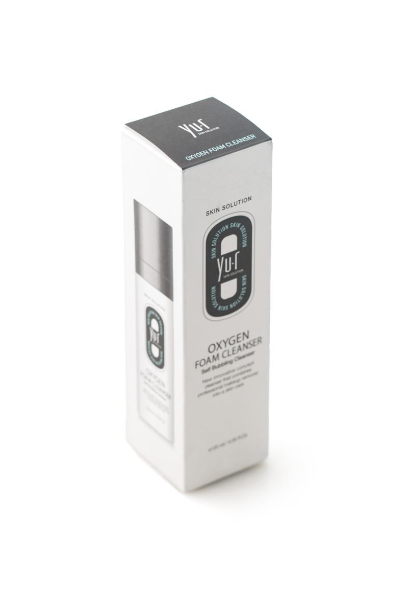 Пенка кислородная для умывания Yu-r Oxygen Foam Cleanser, 120 млFS-00103Пенка очищает кожу от загрязнений и макияжа. Контактируя с воздухом, гель-пенка превращается в множество мельчайших пузырьков, которые насыщают кожу кислородом и обеспечивают микромассаж. Пенка слегка осветляет кожу, отшелушивает ороговевшие клетки эпидермиса, увлажняет и питает кожу