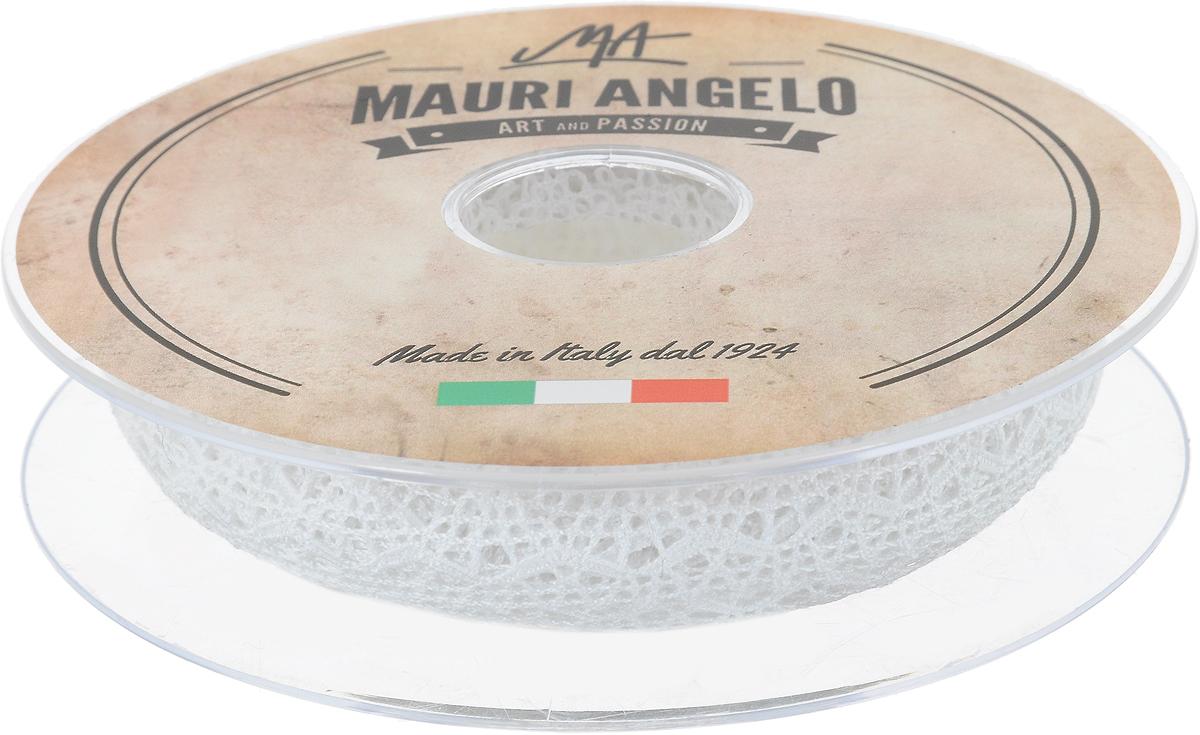 Лента кружевная Mauri Angelo, цвет: белый, 1,5 см х 20 мMR1046_белыйДекоративная кружевная лента Mauri Angelo - текстильное изделие без тканой основы, в котором ажурный орнамент и изображения образуются в результате переплетения нитей. Кружево применяется для отделки одежды, белья в виде окаймления или вставок, а также в оформлении интерьера, декоративных панно, скатертей, тюлей, покрывал. Главные особенности кружева - воздушность, тонкость, эластичность, узорность. Декоративная кружевная лента Mauri Angelo станет незаменимым элементом в создании рукотворного шедевра. Ширина: 1,5 см. Длина: 20 м.