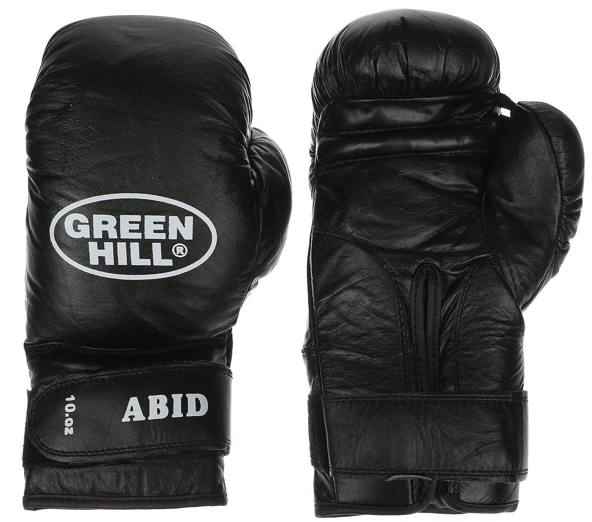 Перчатки боксерские Green Hill Abid, цвет: черный, белый. Вес 10 унцийG-2024310Боксерские тренировочные перчатки Green Hill Abid выполнены из натуральной кожи. Они отлично подойдут для начинающих спортсменов. Мягкий наполнитель из очеса предотвращает любые травмы. Отверстия в районе ладони обеспечивают вентиляцию. Широкий ремень, охватывая запястье, полностью оборачивается вокруг манжеты, благодаря чему создается дополнительная защита лучезапястного сустава от травмирования. Застежка на липучке способствует быстрому и удобному одеванию перчаток, плотно фиксирует перчатки на руке.