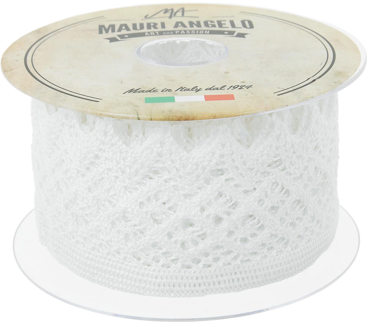 Лента кружевная Mauri Angelo, цвет: белый, 5,9 см х 10 мMR4133_белыйДекоративная кружевная лента Mauri Angelo - текстильное изделие без тканой основы, в котором ажурный орнамент и изображения образуются в результате переплетения нитей. Кружево применяется для отделки одежды, белья в виде окаймления или вставок, а также в оформлении интерьера, декоративных панно, скатертей, тюлей, покрывал. Главные особенности кружева - воздушность, тонкость, эластичность, узорность. Декоративная кружевная лента Mauri Angelo станет незаменимым элементом в создании рукотворного шедевра. Ширина: 5,9 см. Длина: 10 м.