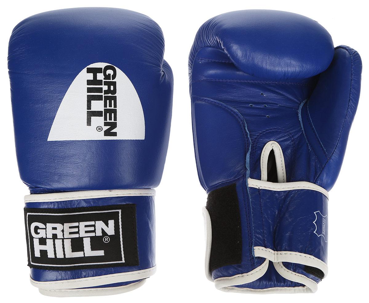 Перчатки боксерские Green Hill Gym, цвет: синий, белый. Вес 14 унцийRivaCase 7560 greyБоксерские перчатки Green Hill Gym подходят для всех видов единоборств где применяют перчатки. Подойдет как для бокса, так и для кикбоксинга. Новички и профессионалы высоко ценят эту модель за универсальность. Верхняя часть перчатки выполнена из натуральной кожи, наполнитель - пенополиуретан. Перфорированная поверхность в области ладони позволяет создать максимально комфортный терморежим во время занятий. Закрепляется на руке при помощи липучки.