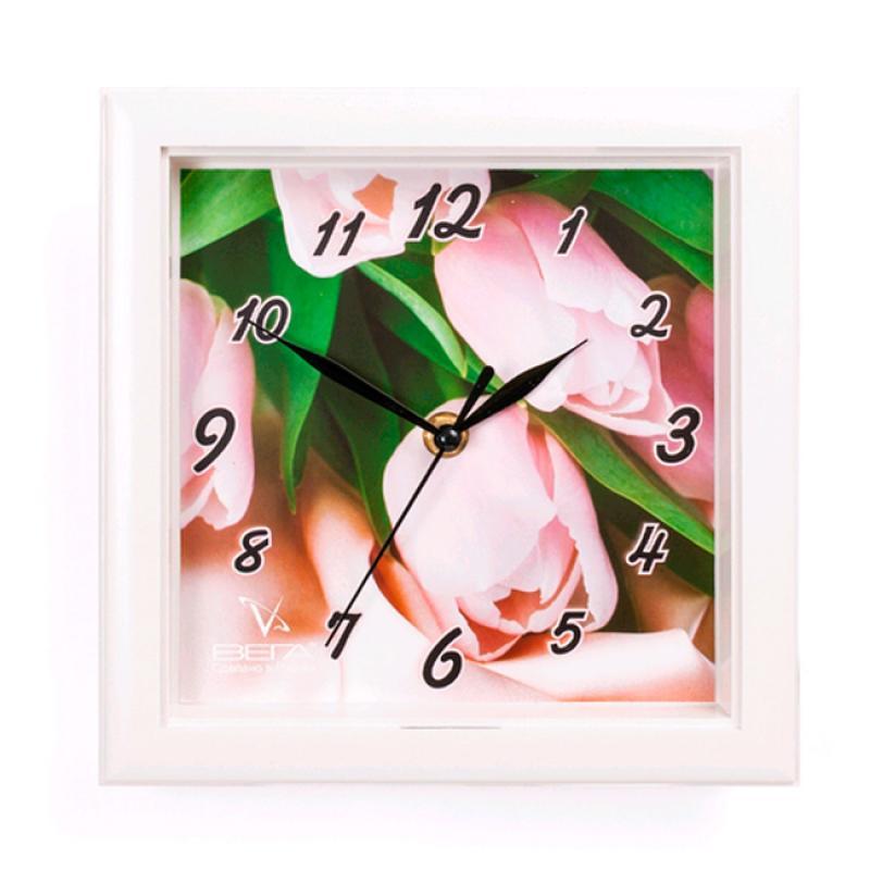 Часы настенные Вега Тюльпаны54 009303Оригинальные настенные часы квадратной формы Вега Тюльпаны выполнены из пластика. Часы имеют три стрелки - часовую, минутную и секундную. Необычное дизайнерское решение и качество исполнения придутся по вкусу каждому. Оформите свой дом таким интерьерным аксессуаром или преподнесите его в качестве презента друзьям, и они оценят ваш оригинальный вкус и неординарность подарка.Часы работают от 1 батарейки типа АА напряжением 1,5 В (в комплект не входит).