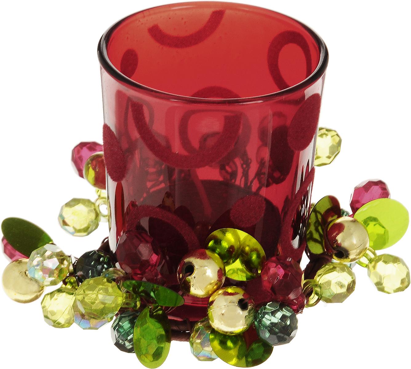 Подсвечник Lovemark Цветные ягоды, со свечойFS-91909Подсвечник Lovemark представляет собой стеклянную емкость для чайной свечи, оформленную изысканным декоративным элементом в виде плетеной веточки с ягодками. Чайная свеча красного цвета входит в комплект. Такой подсвечник элегантно оформит интерьер вашего дома. Мерцание свечи создаст атмосферу романтики и уюта. Диаметр емкости (по верхнему краю): 5,5 см. Высота емкости: 6,5 см. Диаметр свечи: 3,5 см.