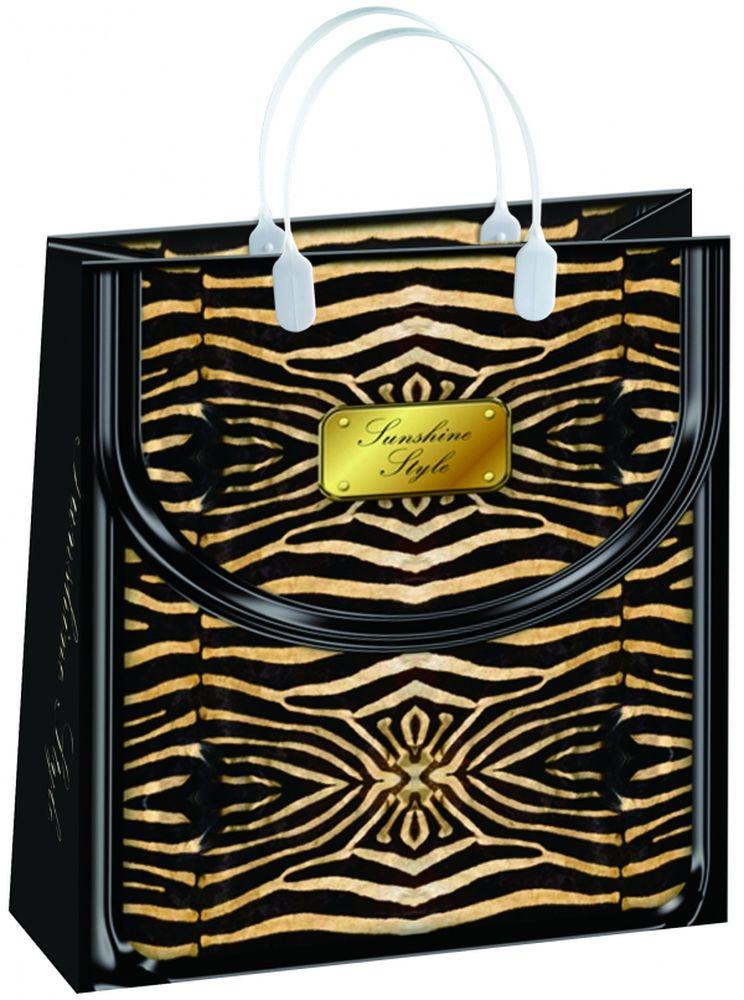 Пакет подарочный Bello, 23 х 10 х 26 см. BAS 72BAS 72Подарочный пакет Bello, изготовленный из пищевого полипропилена, станет незаменимым дополнением к выбранному подарку. Дно изделия укреплено плотным картоном, который позволяет сохранить форму пакета и исключает возможность деформации дна под тяжестью подарка. Для удобной переноски на пакете имеются две пластиковые ручки. Подарок, преподнесенный в оригинальной упаковке, всегда будет самым эффектным и запоминающимся. Окружите близких людей вниманием и заботой, вручив презент в нарядном, праздничном оформлении. Грузоподъемность: 12 кг. Морозостойкость: до -30°С.