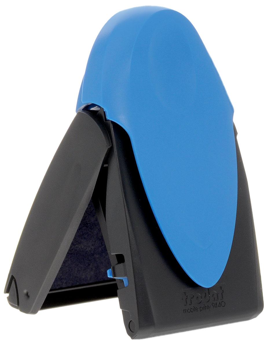 Trodat Карманная оснастка для круглой печати и штампа Mobile Printy 40 ммBN-612_синийКарманная оснастка Trodat Mobile Printy со своеобразным управлением одной рукой - это самая простая, устойчивая и чистая карманная остнастка из когда-либо существовавших. Ее современный дизайн подчеркивает инновационную функциональность и делает практичным и привлекательным аксессуаром в дороге. Интеллектуальная технология позволяет выполнять операции открытия, проставления оттиска и закрытия одной рукой. Уникальная форма пирамиды с устойчивой опорой в 5 точках обеспечивает оптимальное распределение давления по всей текстовой пластине и гарантирует ровные и четкие оттиски. Расположенная внутри подушечка исключает контакт пальцев с краской, обеспечивая их чистоту. Сменная синяя подушка арт. 6/9440. Размер 40 мм х 40 мм.