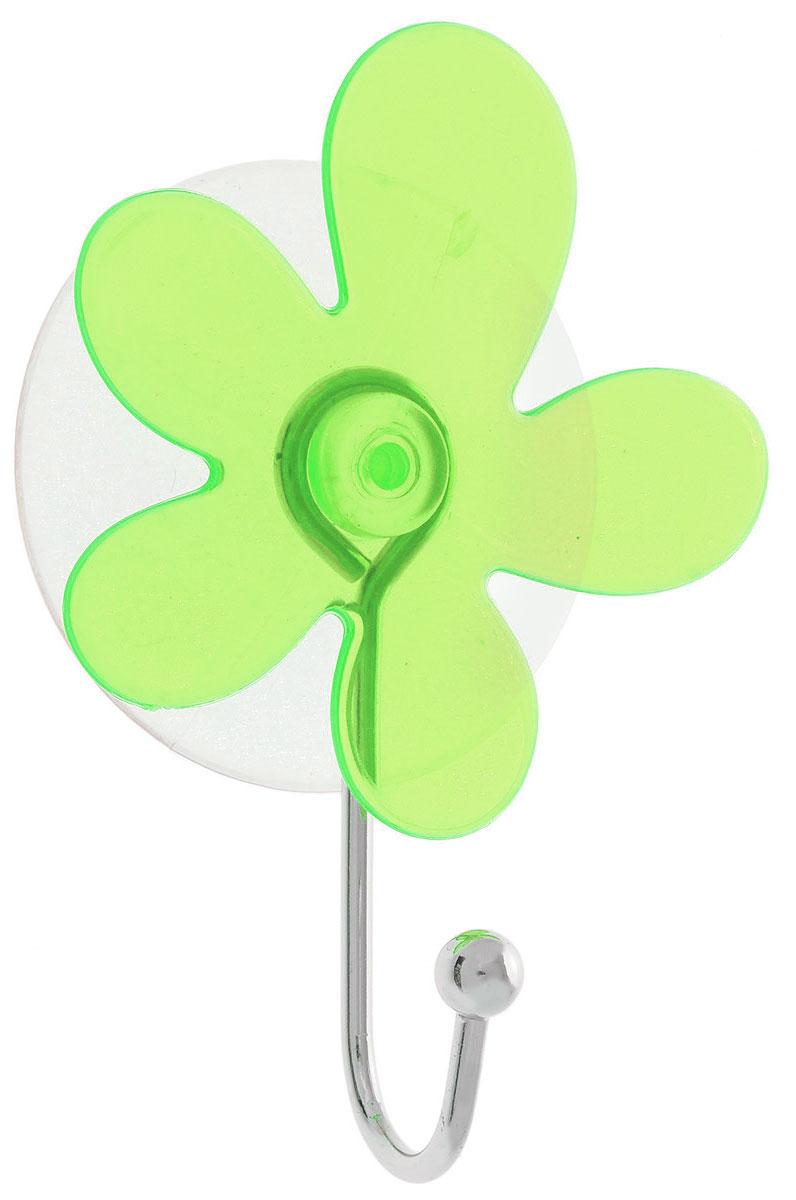Крючок Top Star Клякса, на вакуумной присоске, цвет: зеленый, серебристый, 6 х 3 х 10 см175332_зеленый, серебристыйКрючок Top Star Клякса изготовлен из хромированной стали и украшен оригинальной пластиковой вставкой. Крючок крепится к поверхности при помощи присоски. Для надежности крепления присоску необходимо устанавливать на гладкой, воздухонепроницаемой, очищенной и обезжиренной поверхности. Такой крючок прекрасно впишется в интерьер ванной комнаты и поможет эффективно организовать пространство.