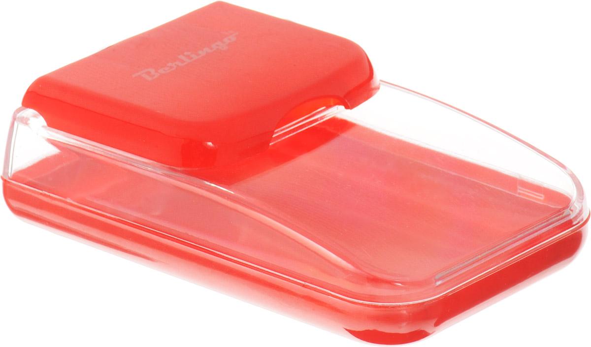 Berlingo Диспенсер для скрепок магнитный цвет красный36129Диспенсер Berlingo выполнен из пластика и представляет собой вместительный резервуар с крышкой, оснащенной магнитом, предохраняющим скрепки от потери и позволяющим всегда держать их под рукой. Диспенсер для скрепок Berlingo - современный и практичный офисный атрибут, который поможет в удобной организации рабочего пространства и станет стильным украшением рабочего стола.