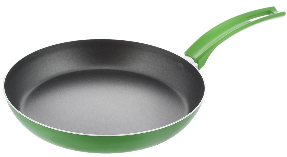 Сковорода Scovo Citrus Lime, с антипригарным покрытием. Диаметр 26 смRT-004LСковорода Scovo Citrus Lime выполнена из алюминия и имеет антипригарное покрытие. Покрытие исключает прилипание и пригорание пищи к поверхности посуды, обеспечивает легкость мытья посуды, исключает необходимость использования большого количества масла, что способствует приготовлению здоровой пищи с пониженной калорийностью. Сковорода оснащена пластиковой ручкой, благодаря чему она удобно уместится в руке и не выскользнет. Сковорода подходит для газовых, электрических и стеклокерамических плит. Также ее можно мыть в посудомоечной машине. Диаметр сковороды: 26 см. Высота стенки: 4 см. Длина ручки: 19 см.