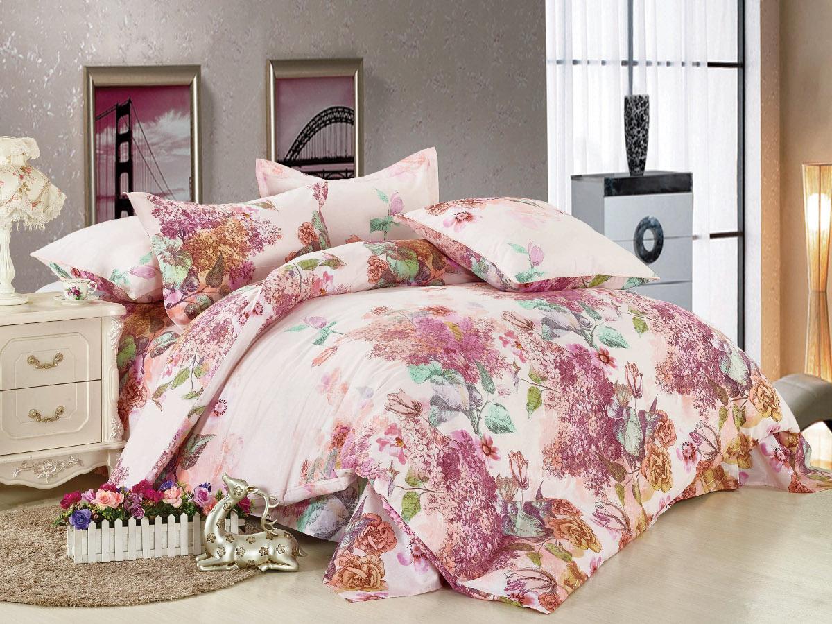 Комплект белья Cleo Цветочный рай, 1,5-спальный, наволочки 70x70, цвет: розовый. 15/006-BLS03301004Комплект постельного белья Cleo выполнен из высококачественной бязи люкс (100% хлопок), которая идеально подходит для любого времени года Постельное белье из бязи имеет ряд уникальных свойств: экологичность, гипоаллергенность, сохраняет внешний вид на долгие годы, не садится, легко гладится, не накапливает статического электричества, обладает исключительной терморегуляцией, загрязнения прекрасно отстирываются любыми средствами. Благодаря особому способу переплетения нитей в полотне, обеспечивается особая плотность ткани, что делает ее устойчивой к износу. Высокая плотность – это залог прочности и долговечности, однако она не влияет на удовольствие от прикосновения. Благодаря пигментному способу нанесения печати даже после многократных стирок в деликатном режиме постельное белье сохраняет свой первоначальный вид. Такое постельное белье окутает вас своей нежностью и подарит спокойный комфортный сон, а яркие оригинальные дизайны стильно дополнят интерьер спальни.