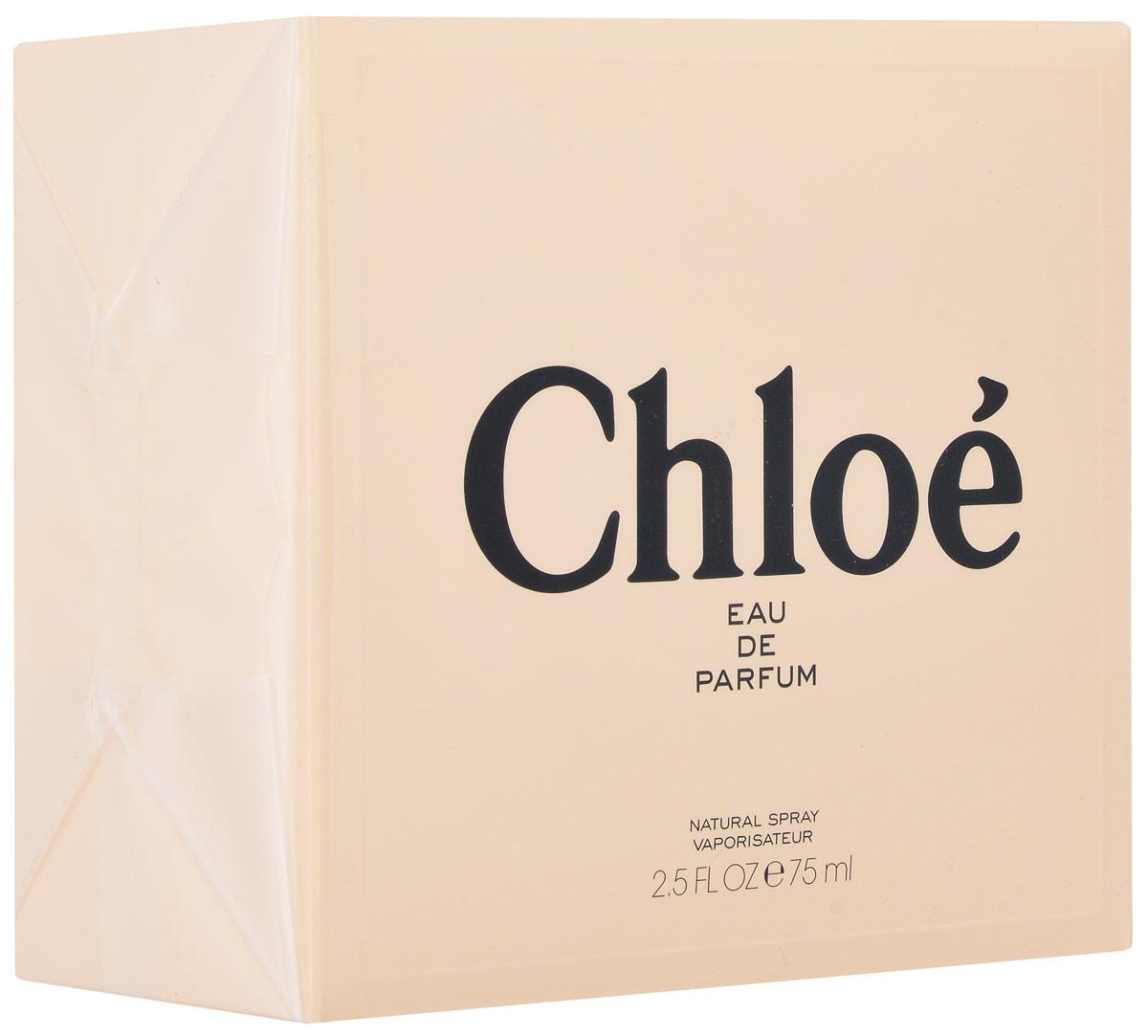 Chloe Signature Парфюмерная вода женская 75 мл64980409000Изысканность парфюмерной воды Chloe - неотъемлемый признак элегантности. Аромат вобрал в себя лучшие ноты своих предшественниц, но с начала звучания первых же собственных нот его выделяет особенная свежесть. Как и во всех вариациях ароматов Chloe, основой композиции является роза, но теперь она раскрывается с новой стороны, звучит легче и мягче, нежели когда-либо. Парфюмер Мишель Альмайрак (Michel Almairac) (Robertet), создатель парфюмерной воды Chloe и последующих ее вариаций - изобрел этот свежий, мускусный, цветочный аромат совместно с Сидони Лансессер (Sidonie Lancesseur). В центре внимания композиции - чистая роза, вокруг которой авторы, словно флористы, собрали чудесный букет. Вначале они добавили бергамот, пробуждая наше любопытство. Затем - цветки магнолии и гардении. Свежее благоухание с едва уловимой ноткой лимона обрамляет букет белых роз. Розовые бутоны, покрытые утренней росой, тонут в аромате белых лепестков, смягченных пуховым мускусом. Chloe источает чувственность и...