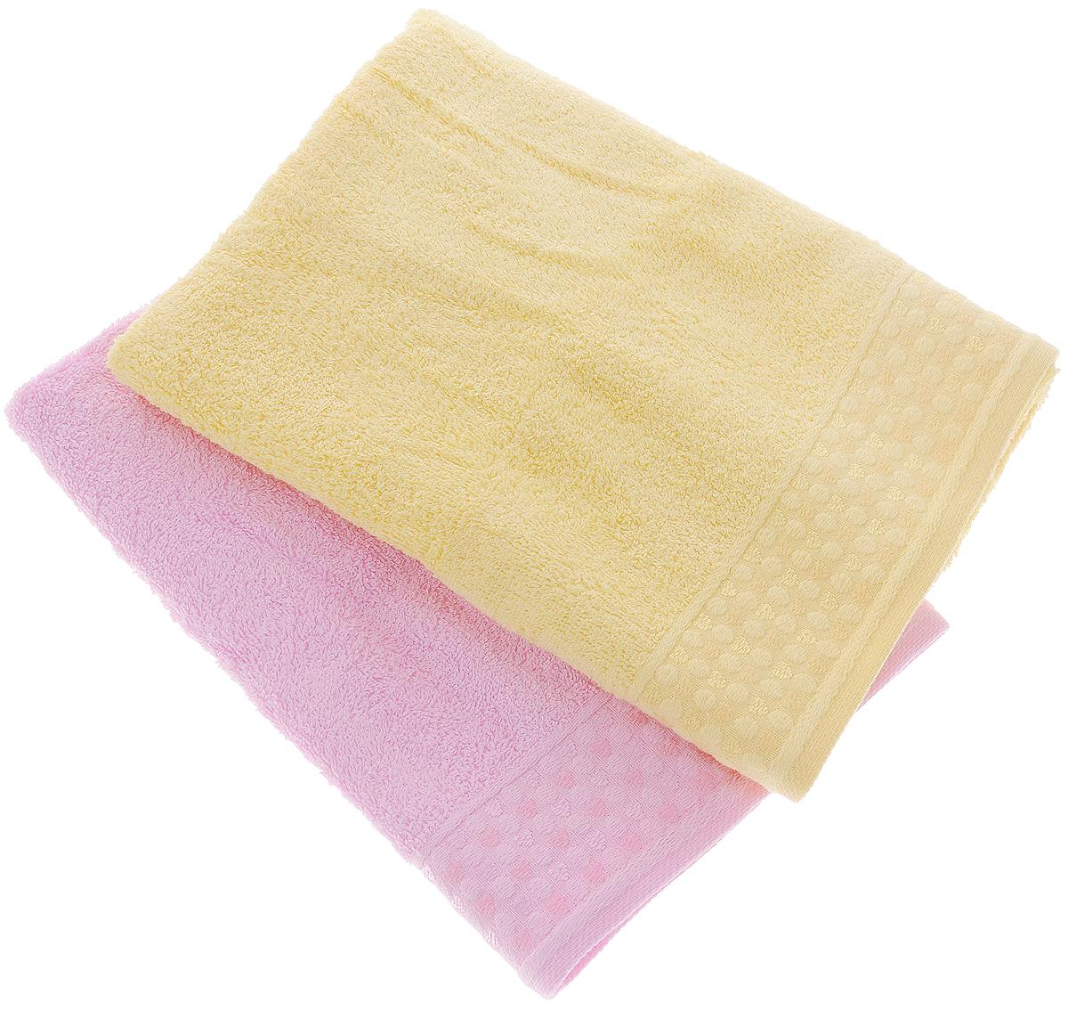 Набор полотенец Tete-a-Tete Сердечки, цвет: розовый, желтый, 50 х 90 см, 2 штУНП-107-05-2кНабор Tete-a-Tete Сердечки состоит из двух махровых полотенец, выполненных из натурального 100% хлопка. Бордюр полотенец декорирован рисунком сердечек. Изделия мягкие, отлично впитывают влагу, быстро сохнут, сохраняют яркость цвета и не теряют форму даже после многократных стирок. Полотенца Tete-a-Tete Сердечки очень практичны и неприхотливы в уходе. Они легко впишутся в любой интерьер благодаря своей нежной цветовой гамме. Набор упакован в красивую коробку и может послужить отличной идеей для подарка. Размер полотенец: 50 х 90 см.