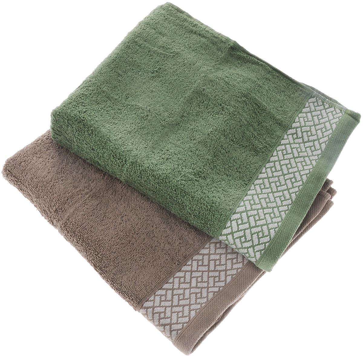 Набор полотенец Tete-a-tete Лабиринт, цвет: кофе, зеленый, 50 х 90 см, 2 штУП-109-05-2кНабор Tete-a-tete Лабиринт состоит из двух махровых полотенец, выполненных из натурального 100% хлопка. Бордюр полотенец декорирован геометрическим узором. Изделия мягкие, отлично впитывают влагу, быстро сохнут, сохраняют яркость цвета и не теряют форму даже после многократных стирок. Полотенца Tete-a-tete Лабиринт очень практичны и неприхотливы в уходе. Они легко впишутся в любой интерьер благодаря своей нежной цветовой гамме. Набор упакован в красивую коробку и может послужить отличной идеей подарка. Размер полотенец: 50 х 90 см.