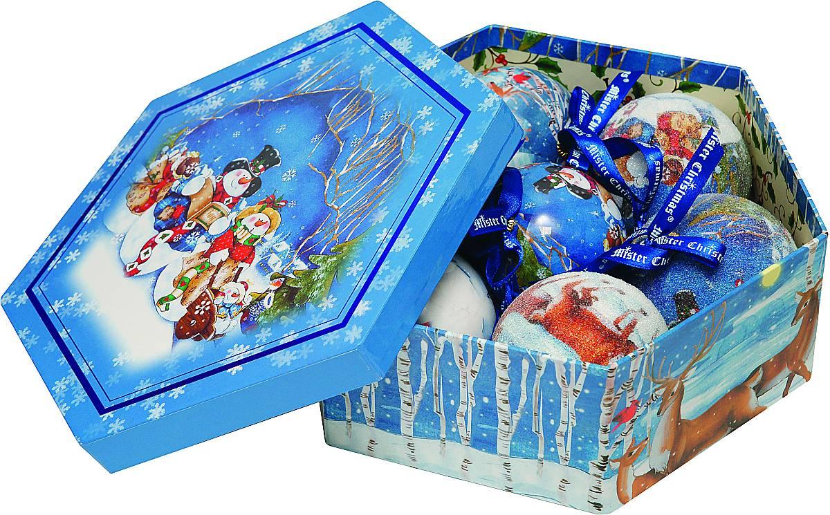 Набор новогодних подвесных украшений Mister Christmas Папье-маше, диаметр 7,5 см, 7 шт. PM-2-724143 0Набор из 7 подвесных украшений Mister Christmas Папье-маше прекрасно подойдет для праздничного декора новогодней ели. Изделия, выполненные из бумаги и покрытые несколькими слоями лака, очень прочные и легкие. Такие шары создадут единый стиль в оформлении не только ели, но и интерьера вашего дома. В наборе игрушки имеют глянцевую поверхность и покрытые мелкой пластиковой крошкой.Все изделия оснащены атласной ленточкой с логотипом бренда Mister Christmas для подвешивания. Такие украшения станут превосходным подарком к Новому году, а так же дополнят коллекцию оригинальных новогодних елочных игрушек.