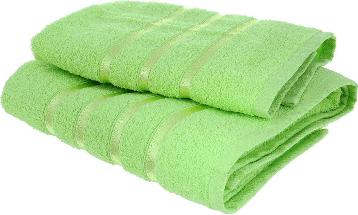 Набор полотенец Tete-a-Tete Ленты, цвет: салатовый, 70 х 135 см, 50 х 85 см, 2 шт68/5/2Набор Tete-a-Tete Ленты состоит из двух махровых полотенец, выполненных из натурального 100% хлопка. Бордюр полотенец декорирован вышивкой в виде узких лент. Изделия мягкие, отлично впитывают влагу, быстро сохнут, сохраняют яркость цвета и не теряют форму даже после многократных стирок. Полотенца Tete-a-Tete Ленты очень практичны и неприхотливы в уходе. Они легко впишутся в любой интерьер благодаря своей нежной цветовой гамме. Набор упакован в красивую коробку и может послужить отличной идеей подарка.