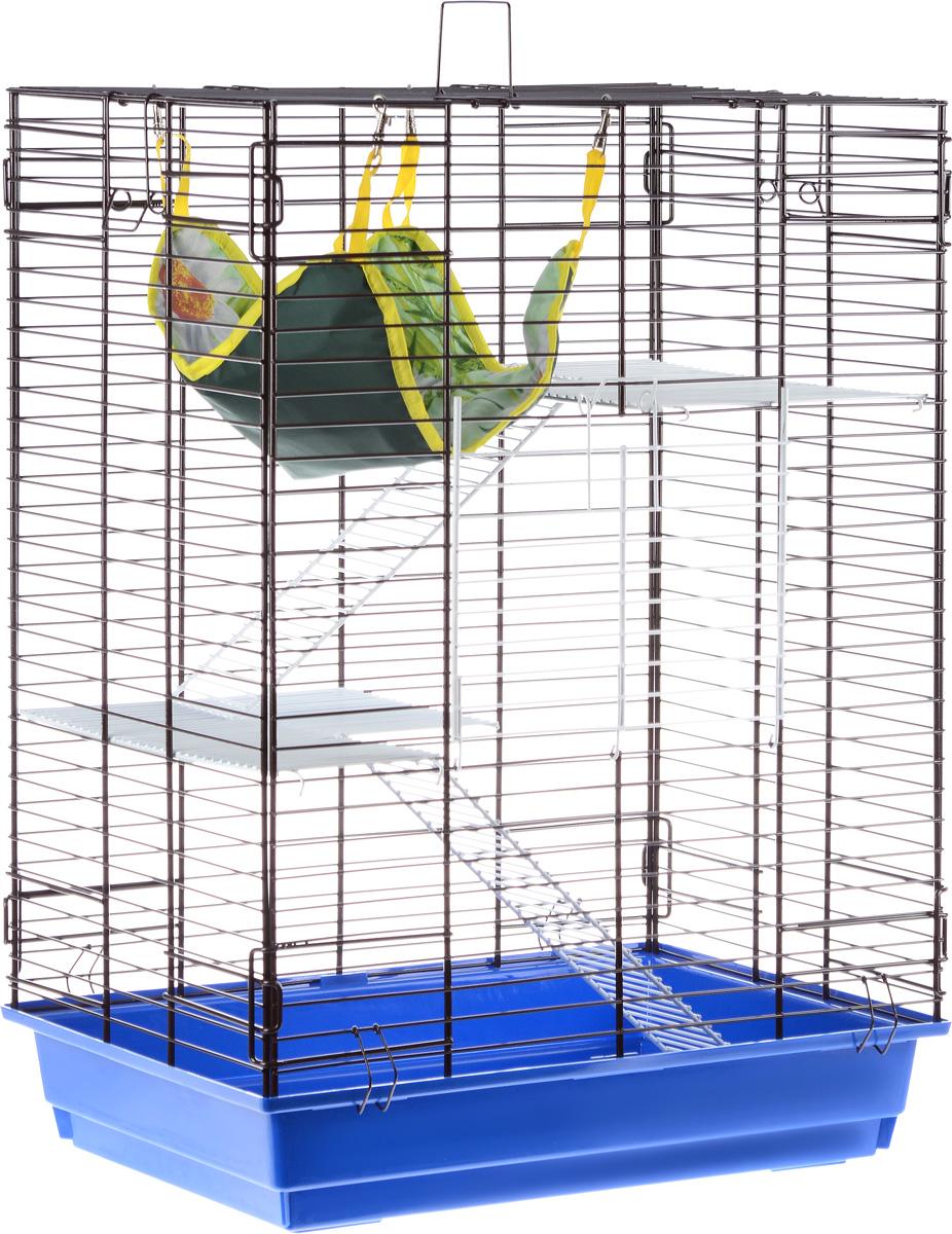 Клетка для шиншилл и хорьков ЗооМарк, цвет: синий поддон, коричневая решетка, 59 х 41 х 79 см725жкСКоКлетка ЗооМарк, выполненная из полипропилена и металла, подходит для шиншилл и хорьков. Большая клетка оборудована длинными лестницами и гамаком. Изделие имеет яркий поддон, удобно в использовании и легко чистится. Сверху имеется ручка для переноски. Такая клетка станет уединенным личным пространством и уютным домиком для грызуна.