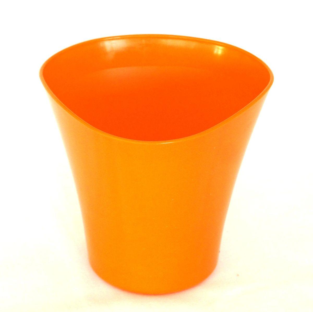 Кашпо JetPlast Волна, цвет: оранжевый, 3 л4612754050598Кашпо Волна имеет уникальную форму, сочетающуюся как с классическим, так и с современным дизайном интерьера. Разнообразие цветов дает возможность подобрать кашпо именно под ваш стиль. Объем: 3 л.
