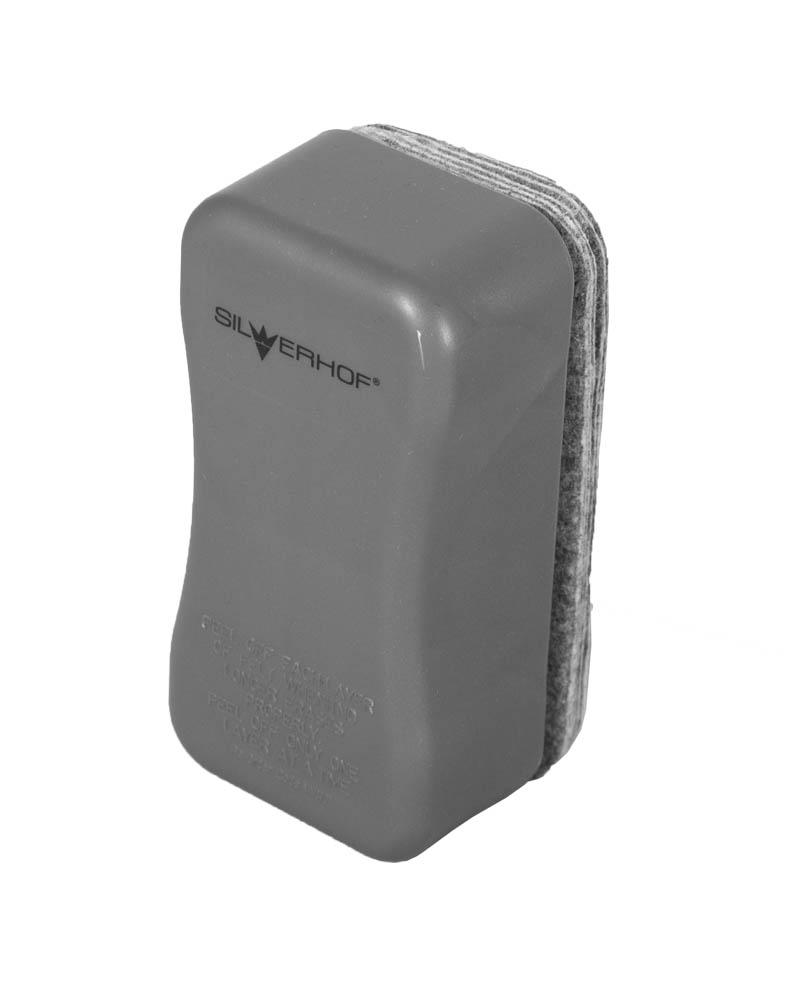 Silwerhof Стиратель для офисной доски Elegance 10 сменных слоев659003-02Стиратель для офисной доски Silwerhof Elegance предназначен для очистки маркерных досок сухим способом. Пластиковый эргономичный корпус со встроенным магнитом. Мягкий материал бережно удаляет загрязнения от маркеров с поверхности доски, не повреждая ее поверхность. В комплекте со стирателем 10 сменных слоев.