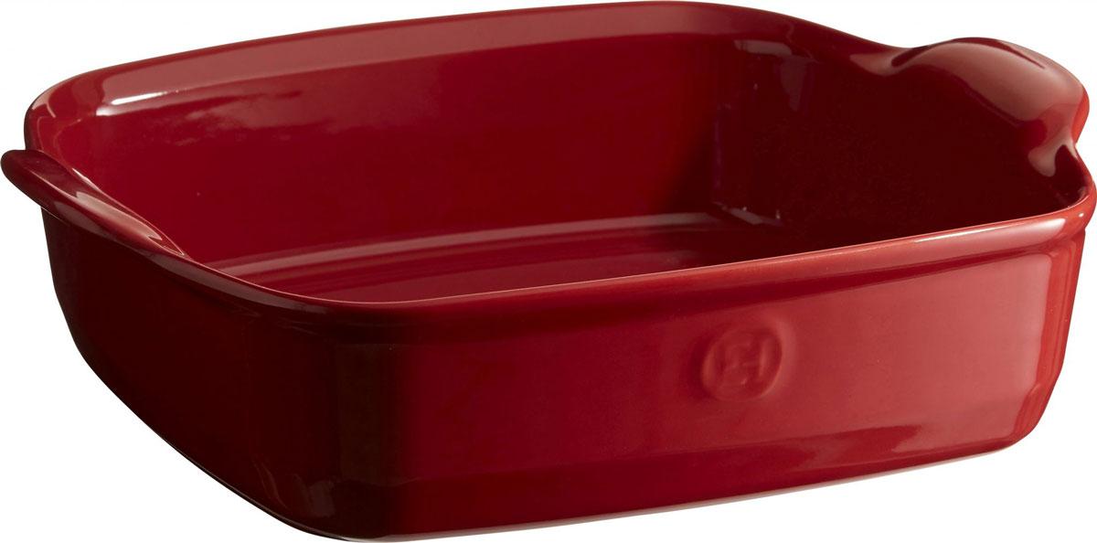 Форма для запекания Emile Henry Ultime, квадратная, цвет: гранат, 28 х 28 см342050Формы для запекания Ultime. Новый дизайн, стирающий границы между идеальной керамической формой для запекания и посудой для сервировки. Мягкие, щедрые формы великолепно подходят для приготовления всех видов блюд – от лазаньи до жаркого. Благодаря удобным ручкам форму комфортно извлекать из духовки. Поставьте форму на стол – это выглядит крайне элегантно. Формы Ultime изготовлены из HR Ceramic (высоко-устойчивая) и могут быть использованы как в морозилке (-20°C), так и в духовке (270°C) и даже на гриле. Они устойчивы к ежедневным испытанием на кухне. Ингредиенты блюд, приготовленных в HR Ceramic пропекаются равномерно, не пересыхают, долго сохраняют тепло. Высокие стенки формы позволяют приготовить щедрые порции блюд. Широкий ассортимент 5 блюд различного размера (от индивидуальной порции до большой формы на всю семью), цвета (крем, гранат) и формы (квадратная и прямоугольная) удовлетворит запросы хозяек. Кромка снизу ручки обеспечивает противоскользящий эффект и...