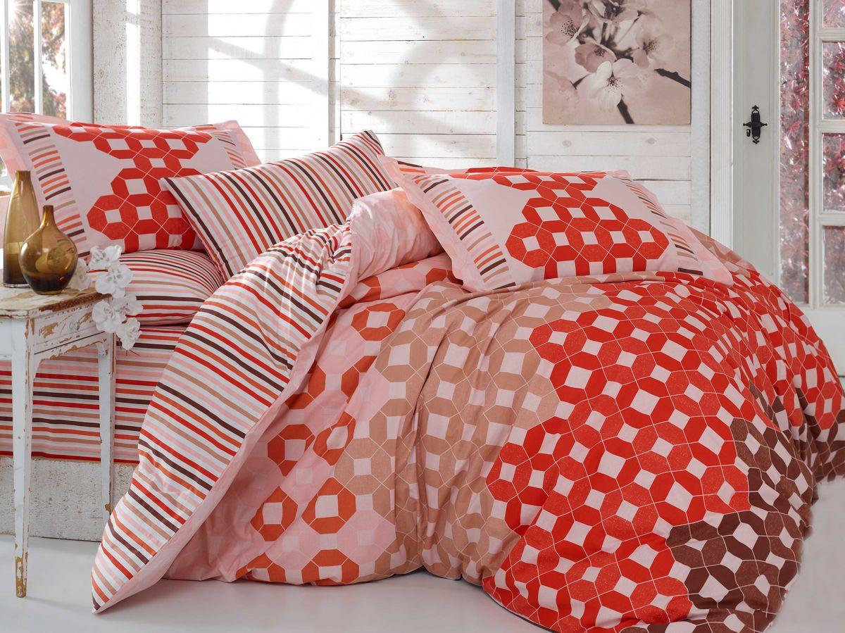 Комплект белья Hobby Home Collection Marsella, 2-спальный, наволочки 50х70, 70х70, цвет: красный1607000063Комплект постельного белья Hobby Home Collection изготовлен из высококачественного поплина. Поплин - это ткань, изготавливаемая традиционным полотняным плетением из 100% хлопка, но из нитей разного калибра, за счет чего полотно получается с легким рубчиковым рельефом. По многим характеристикам ткань похожа на бязь, но на ощупь гораздо приятнее — более гладкая и мягкая. Поплин обладает лучшими свойствами ткани для постельного белья. Он плотный и в то же время мягкий на ощупь, износостойкий, немнущийся, гигроскопичный и неприхотливый в уходе, а после стирки практически не нуждается в глажке. Поплин обладает множеством преимуществ: - белье из него плотное, прочное и износостойкое; - не выцветает и не сминается; - не линяет и не деформируется (при стирке до 40°С); - натуральный хлопок в составе обеспечивает абсолютную гигиеничность постельного белья; - поплин хорошо вентилируется и впитывает влагу, отводя ее излишки от тела. По легенде этот...