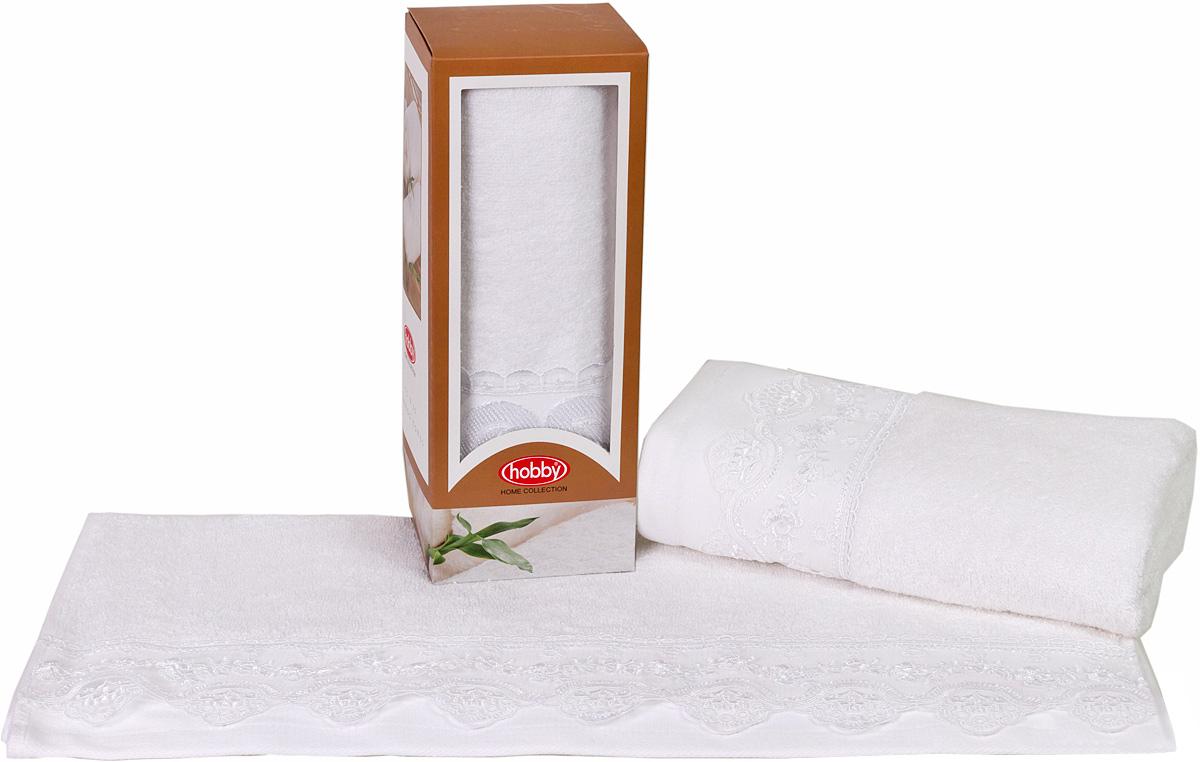 Полотенце махровое Hobby Home Collection Almeda, цвет: белый, 50х90 см531-401Полотенца марки Хобби уникальны и разрабатываются эксклюзивно для данной марки. При создании коллекции используются самые высокотехнологичные ткацкие приемы. Дизайнеры марки украшают вещи изысканным декором. Коллекция линии соответствует актуальным тенденциям, диктуемым мировыми подиумами и модой в области домашнего текстиля.