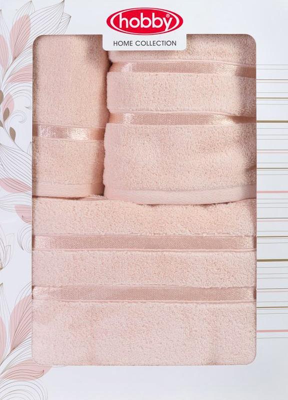 Полотенце махровое Hobby Home Collection Dolce, цвет: персиковый, 30х50 см, 50х90 см, 70х140 см, 3 шт1501001209Полотенца марки Хобби уникальны и разрабатываются эксклюзивно для данной марки. При создании коллекции используются самые высокотехнологичные ткацкие приемы. Дизайнеры марки украшают вещи изысканным декором. Коллекция линии соответствует актуальным тенденциям, диктуемым мировыми подиумами и модой в области домашнего текстиля.